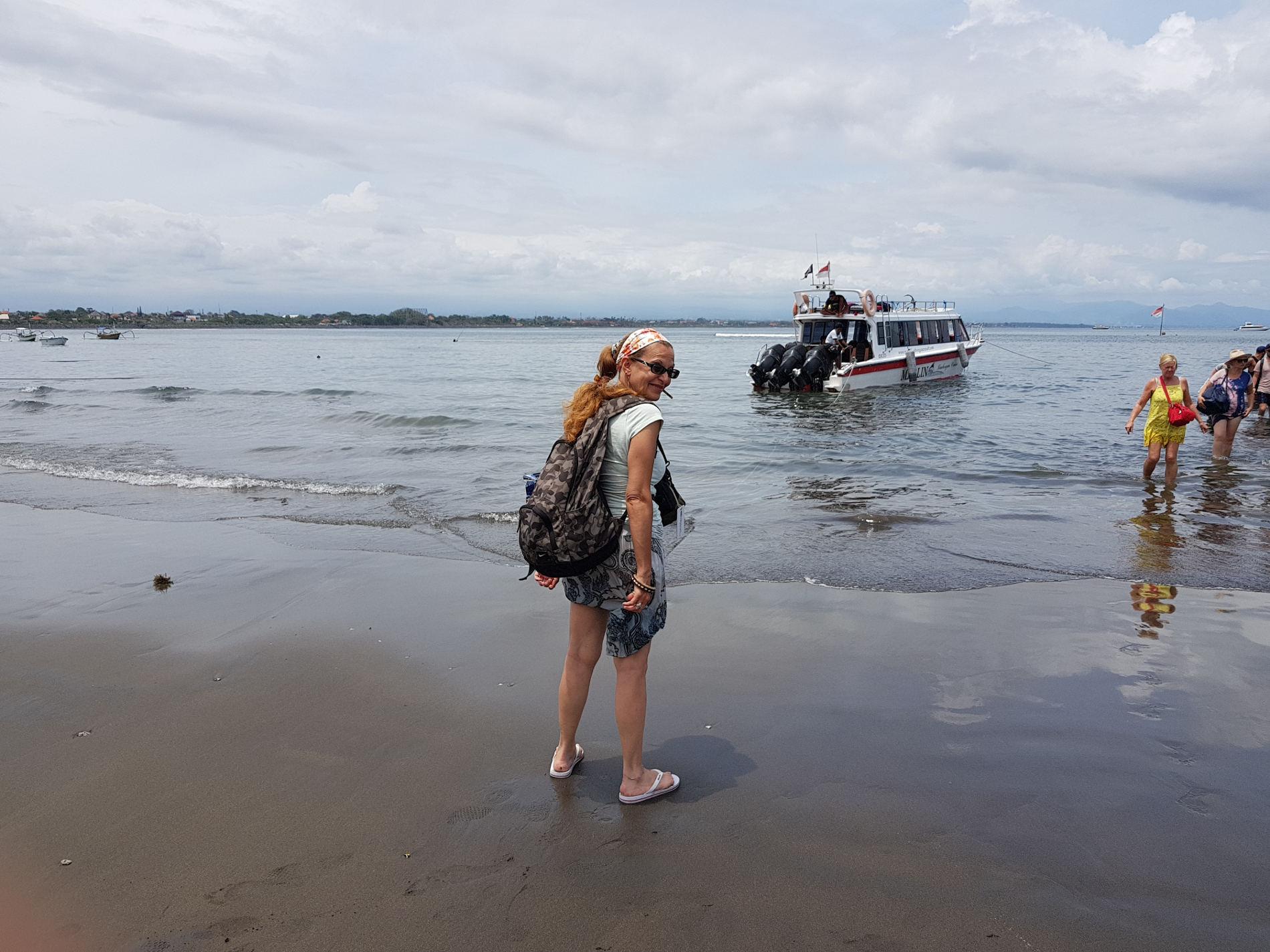 sbarco a Sanur proveniendo da Nusa Lembogan