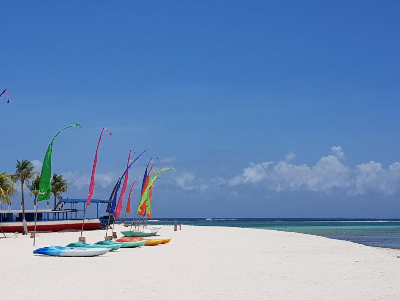 Perchè andare e cosa vedere a Nusa Lembogan-la lunga spiaggia bianca di Jungut Batu,