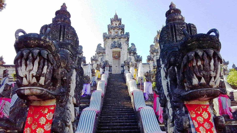 Storie di Donne all'Estero - 4 Chiacchiere con Cinzia da Bali e il suo Blog