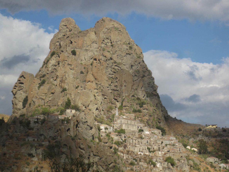 Il Bergamotto di Calabria: Pentedattilo - Borgo Solidale