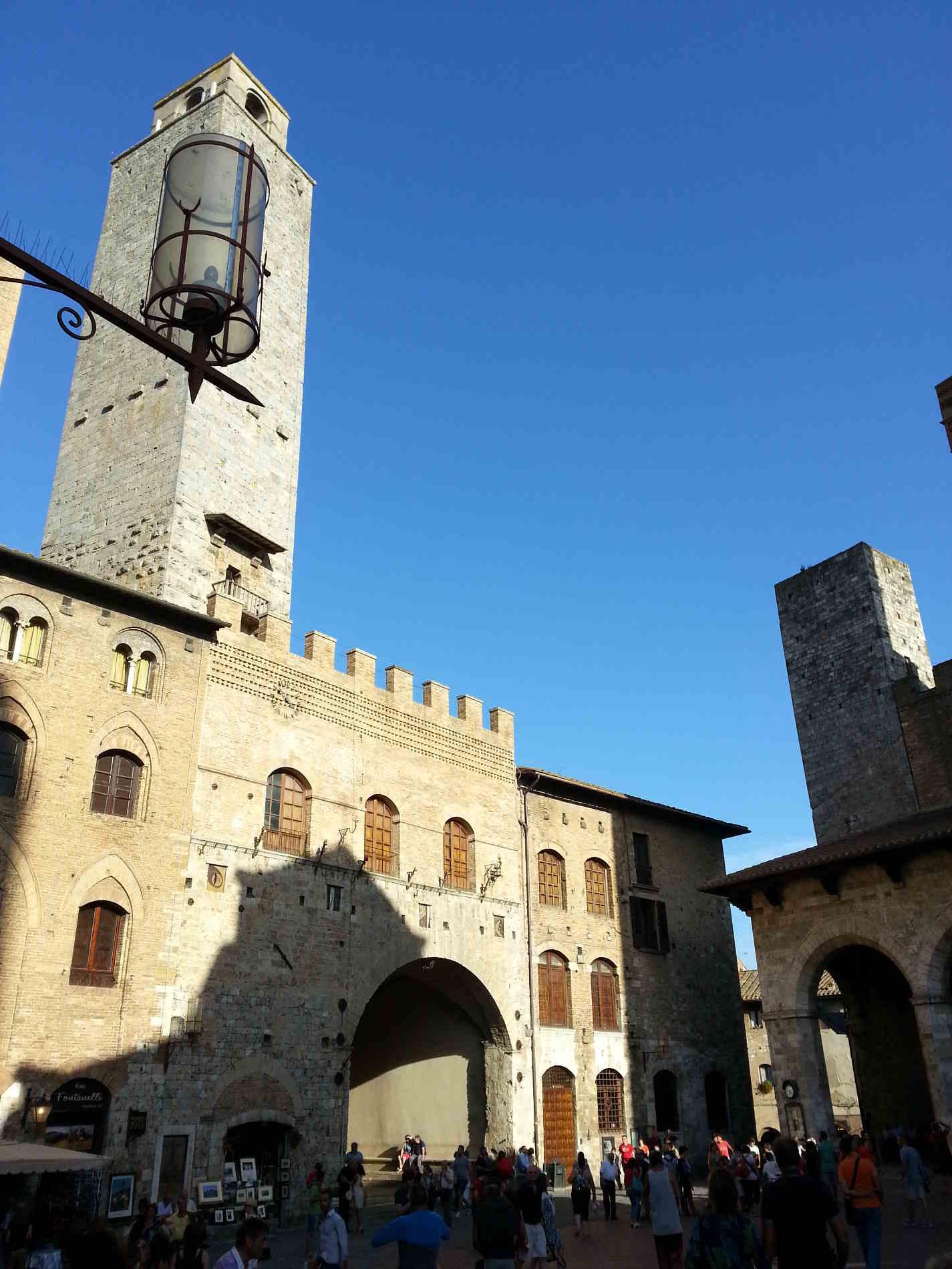 Angoli di San Gimignano fra Piazza della Cisterna e Piazza del Duomo