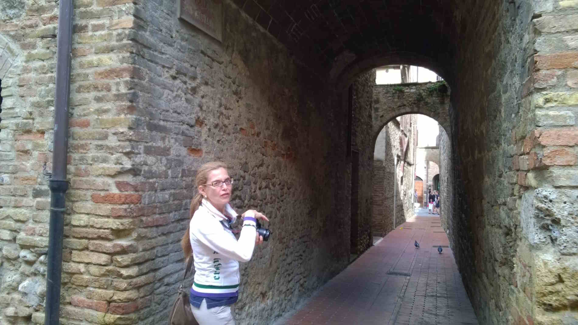 Nei vicoli di San Gimignano
