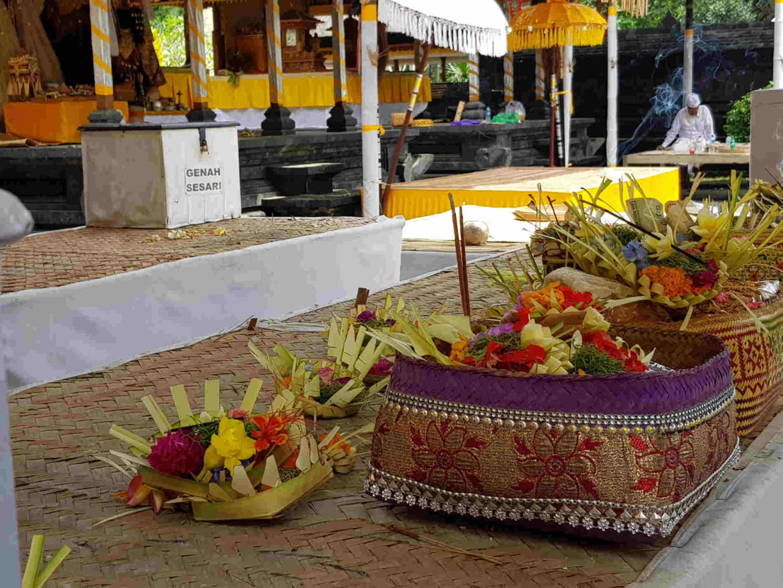 Viaggio a Bali offerte agli Dei