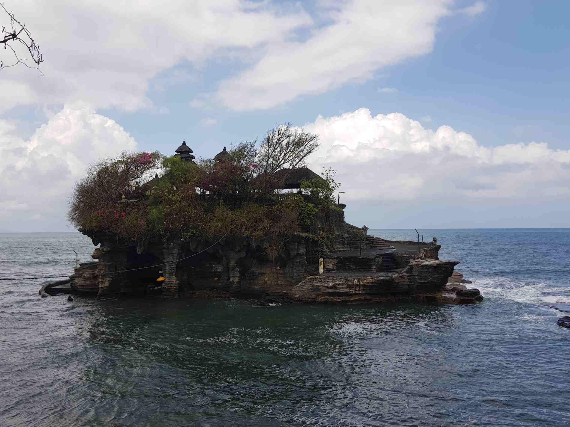 un Viaggio a Bali il Tempio sul mare di Tanah Lot