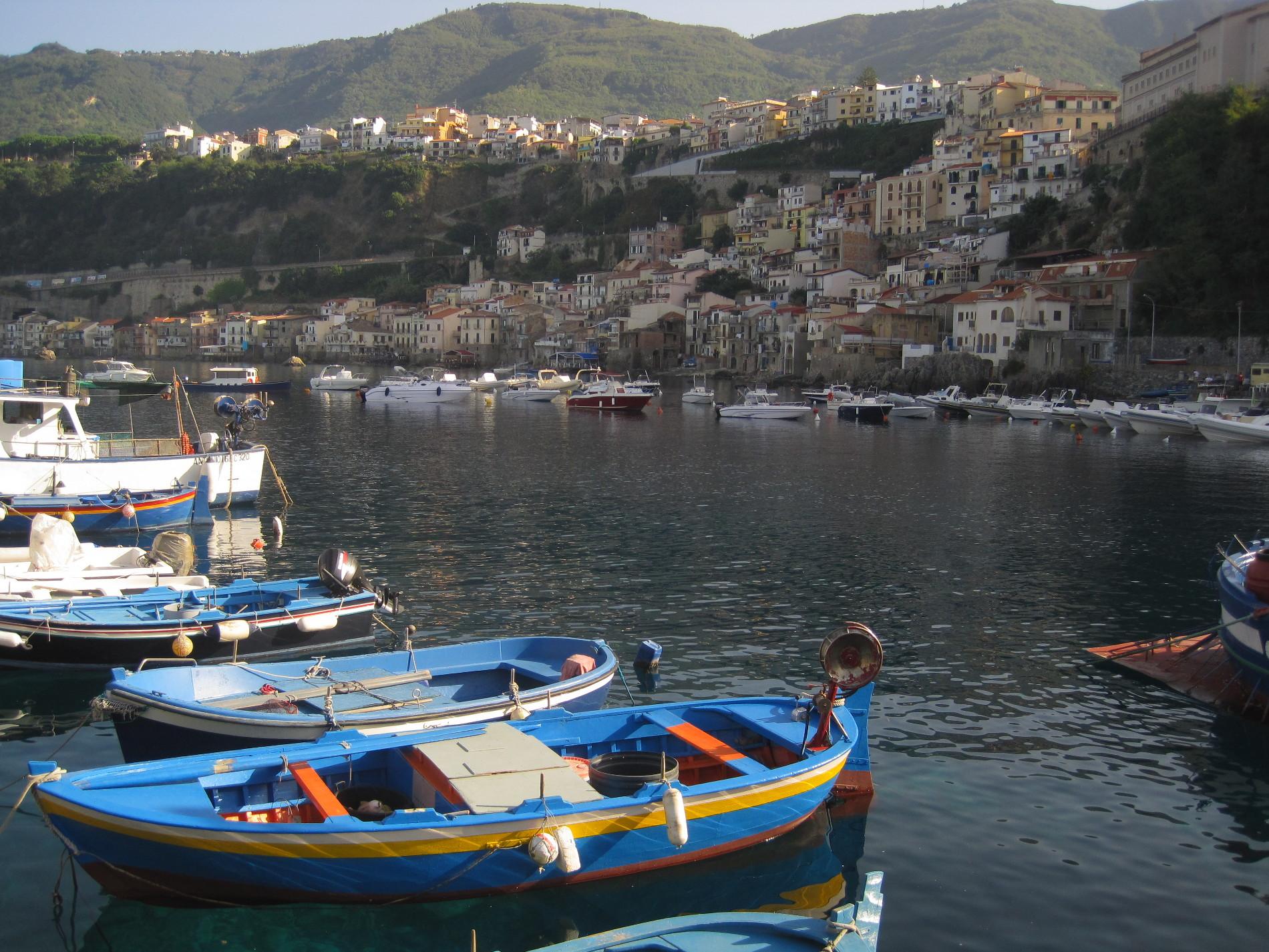 Chianalea di Scilla dal suo piccolo porto