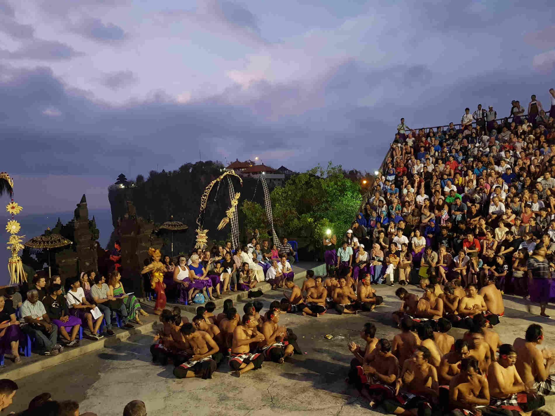 Itinerario a Bali - Momenti di Danza Kekak a pura Uluwatu