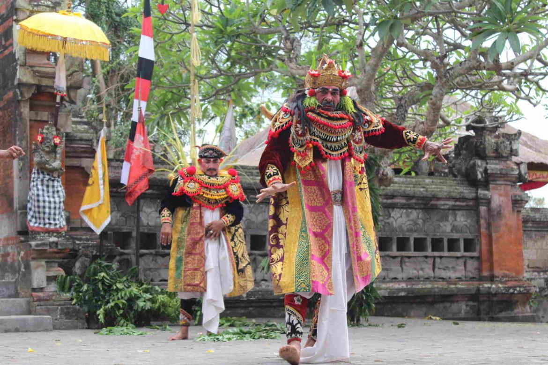Danze Barong e Keris di Batubulan, nel Tempio di Pura Desa Singapadu2