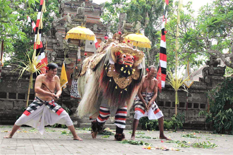 Danze Barong e Keris di Batubulan, nel Tempio di Pura Desa Singapadu 3