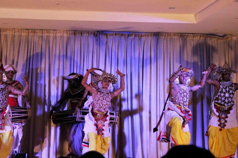 Danze tradizionali a Kandy viaggio in sri lanka