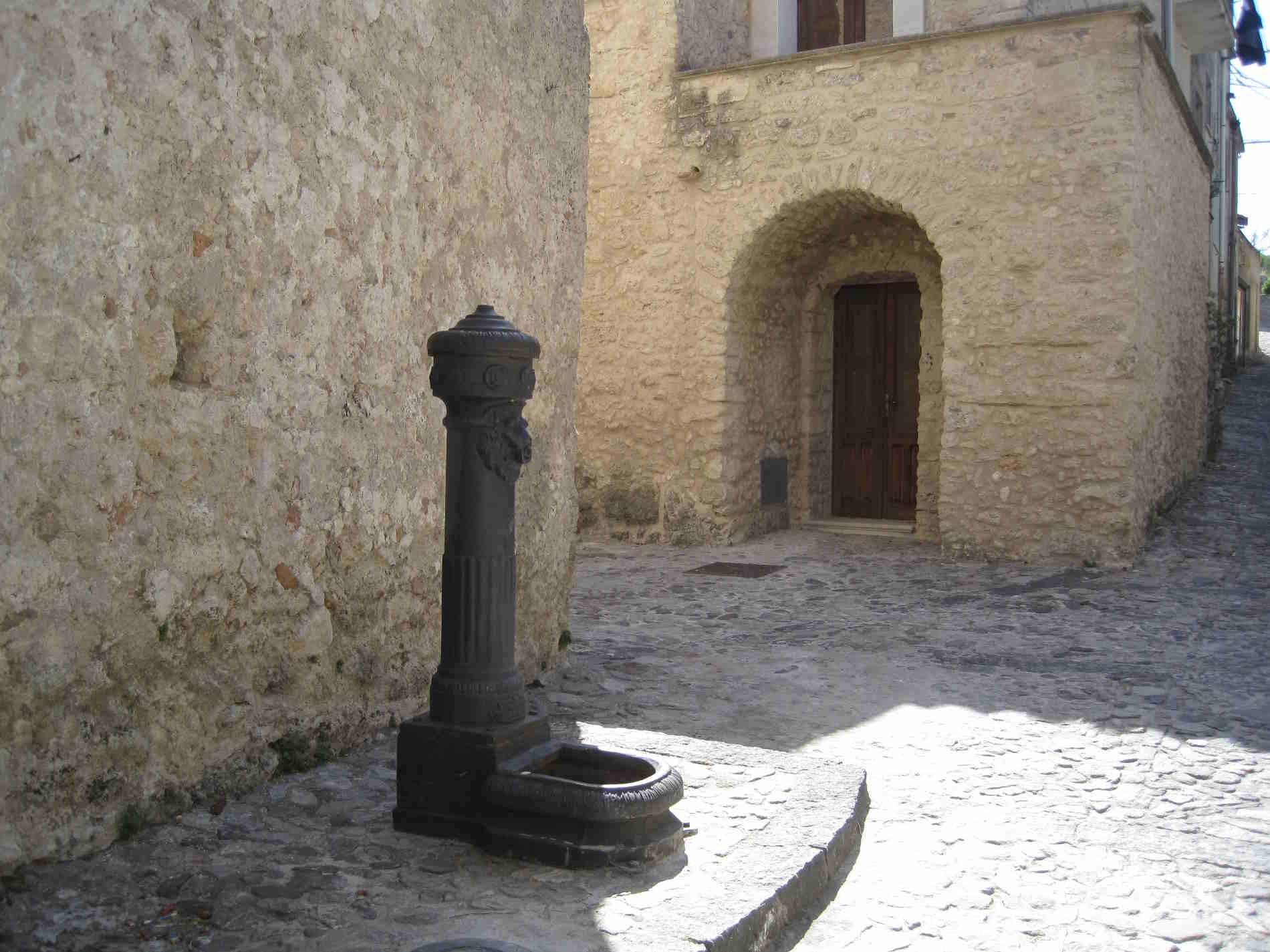 cosa vedere fra i vicoli del Borgo di Gerace in provincia di Reggio Calabria