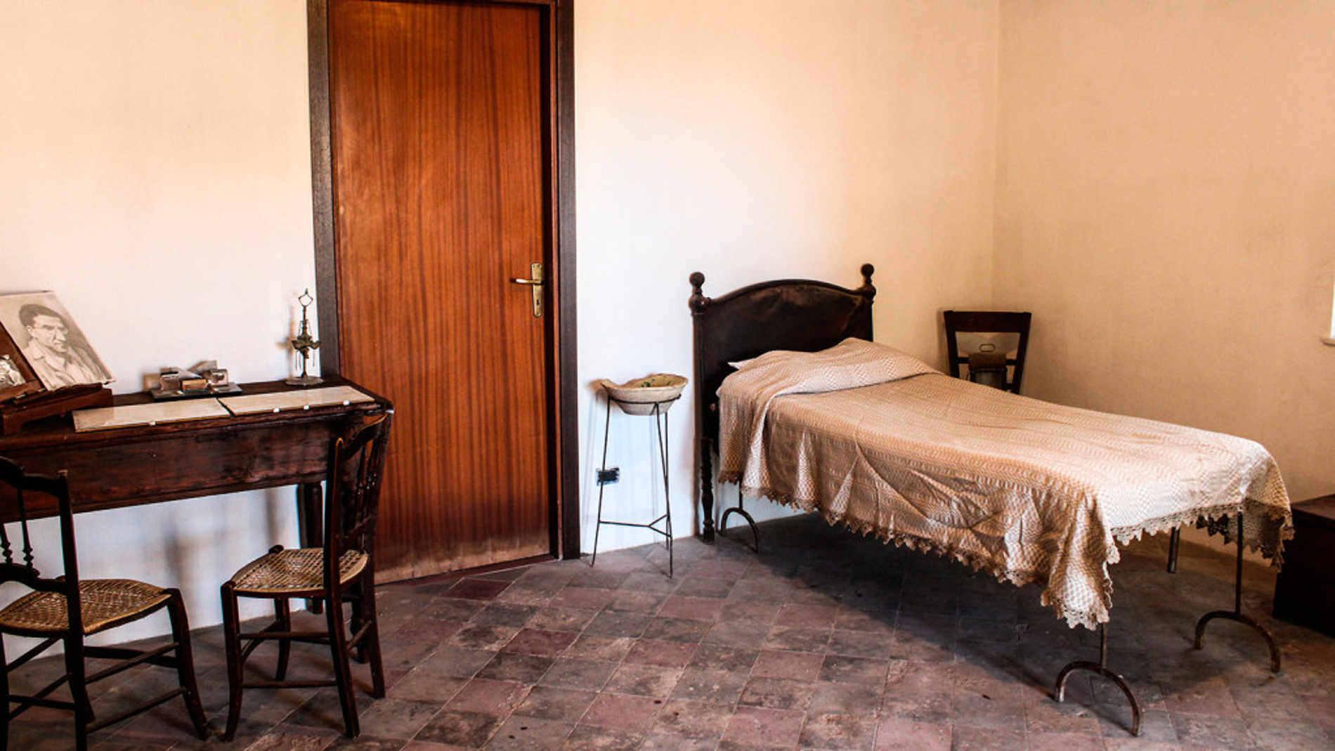 Casa di Cesare Pavese a Brancaleone Marina durante il confino