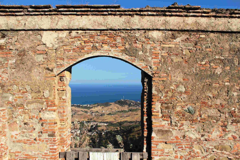 Vista da Brancaleone Superiore a Brancaleone Marina