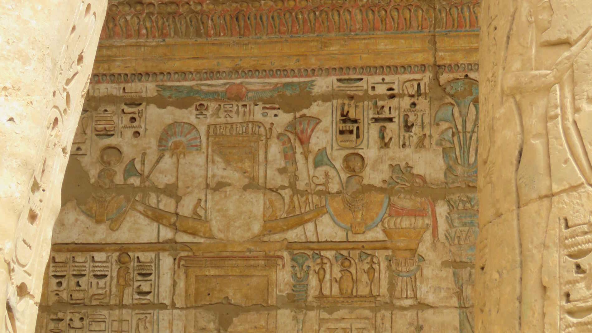 Barca Solare sulle pareti del Tempio di Abydos crociera sul Nilo