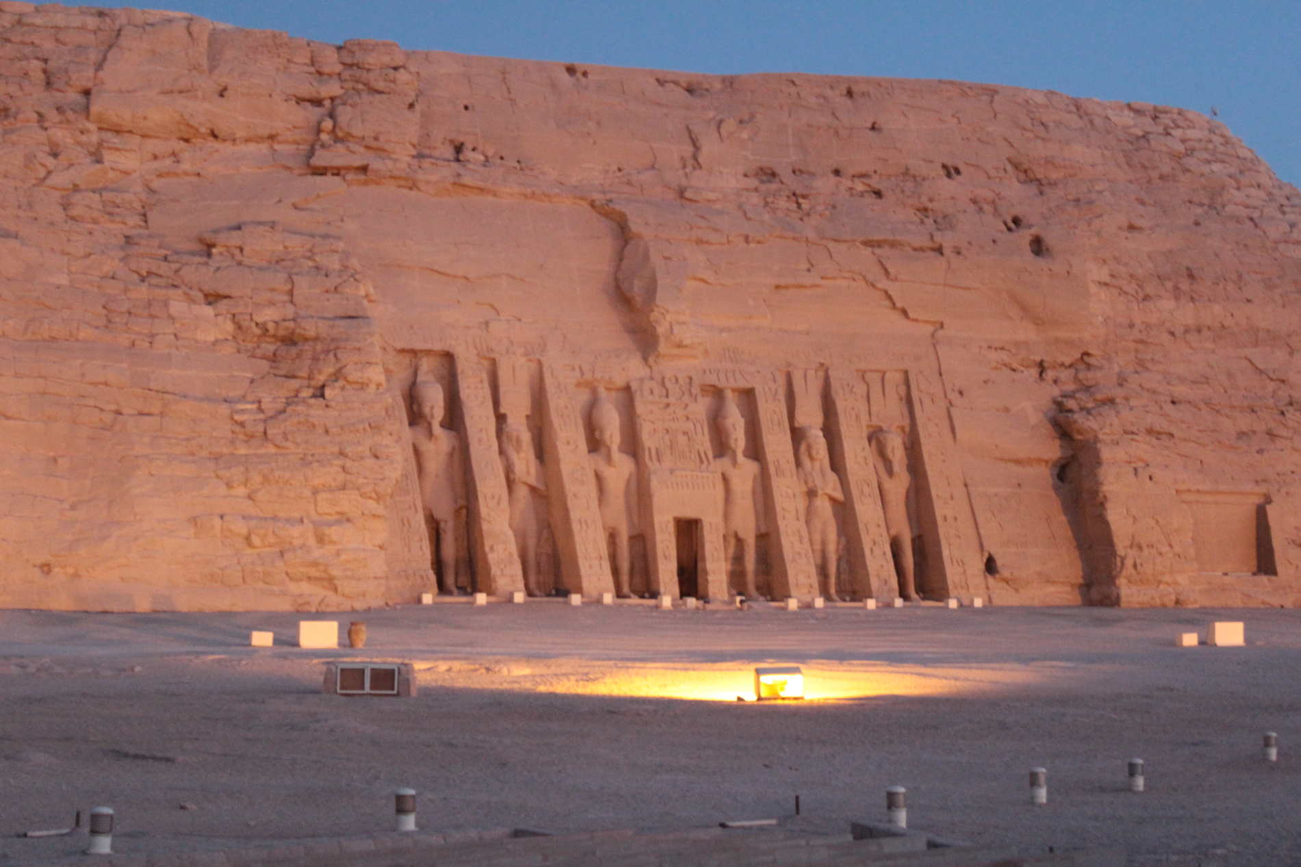 Abu Simbel Alba sul Tempio piccolo