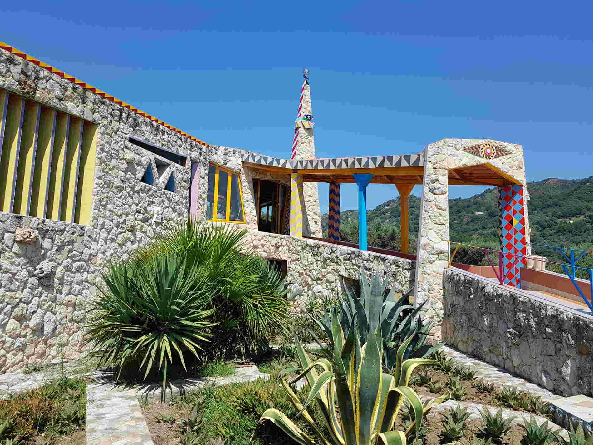 casa di Nik Spatari all'interno dell'aera del Musaba a Mammola