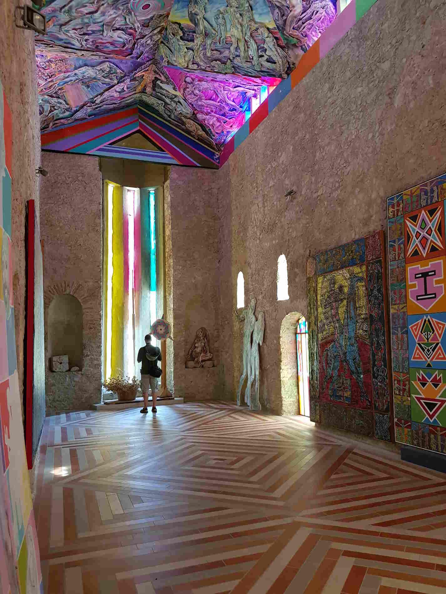 interno della Chiesa di Santa Barbara MuSaBa