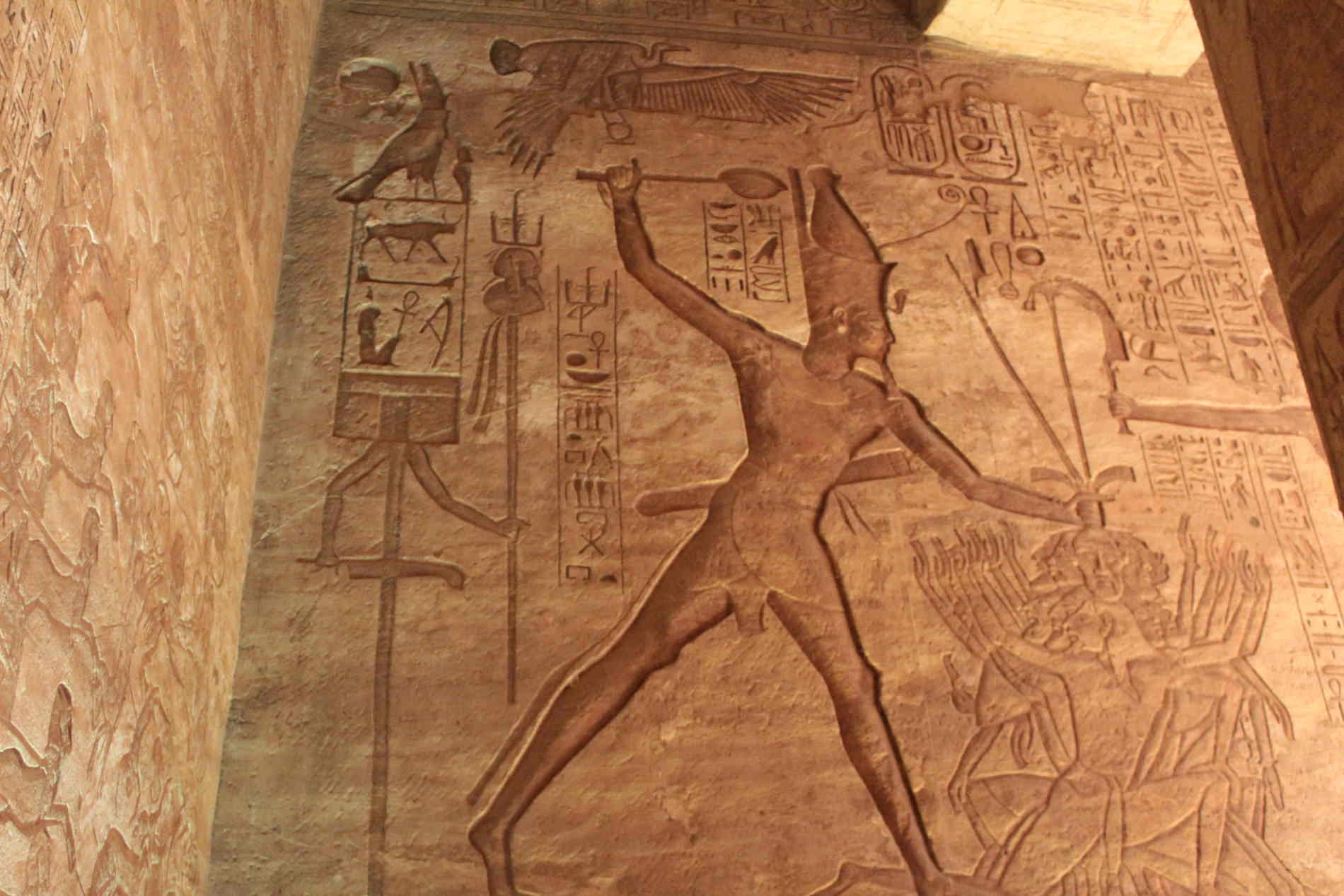 Ramesse combattente contro i nemici Abu Simbel tempio grande