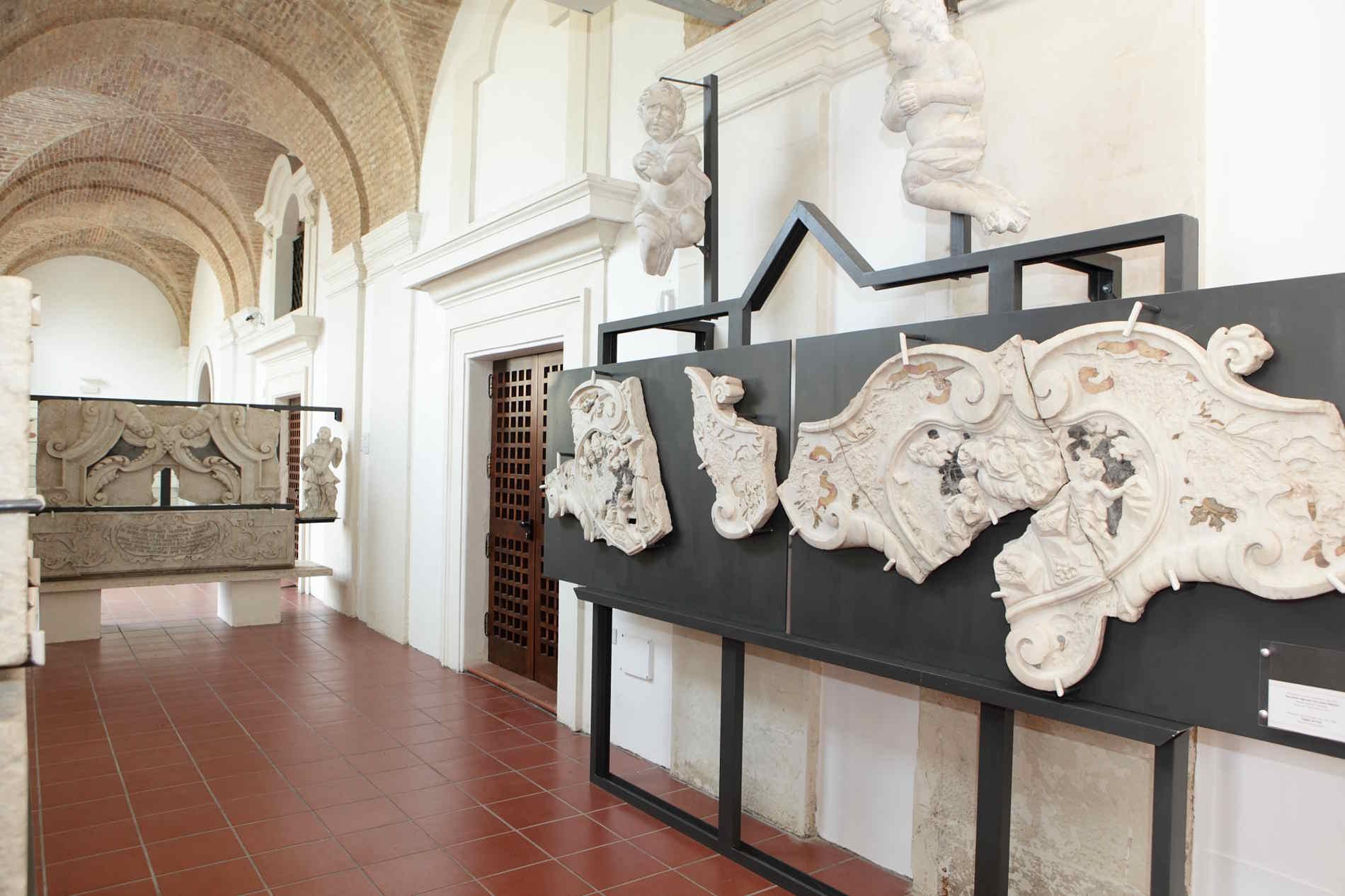 Cosa vedere a Reggio calabria - Museo Diocesano Monsignor Aurelio Sorrentino. il portico