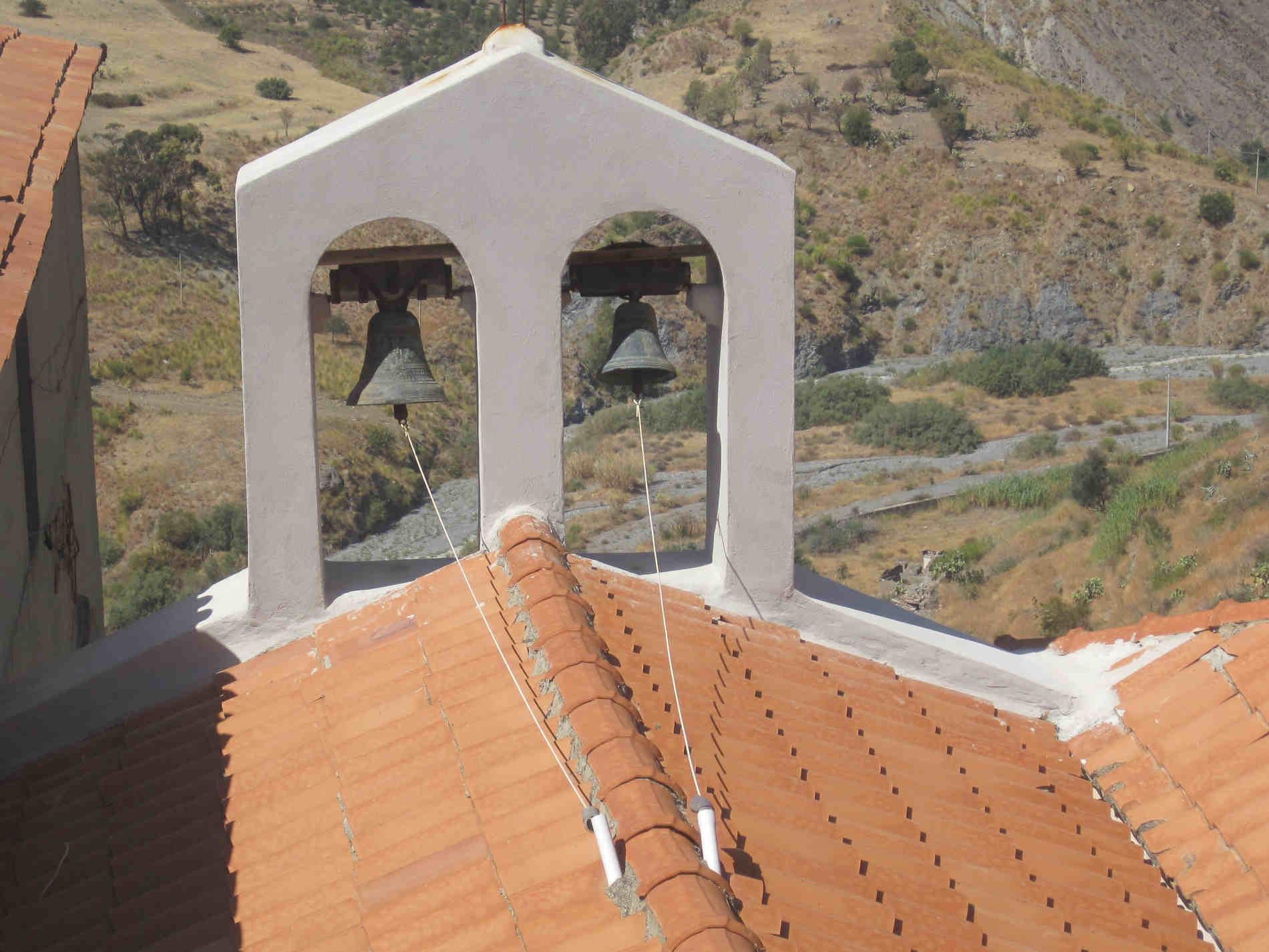 Panorami sulla fiumara da Pentedattilo perché anarae a Pentedattilo e cosa vedere nel Borgo