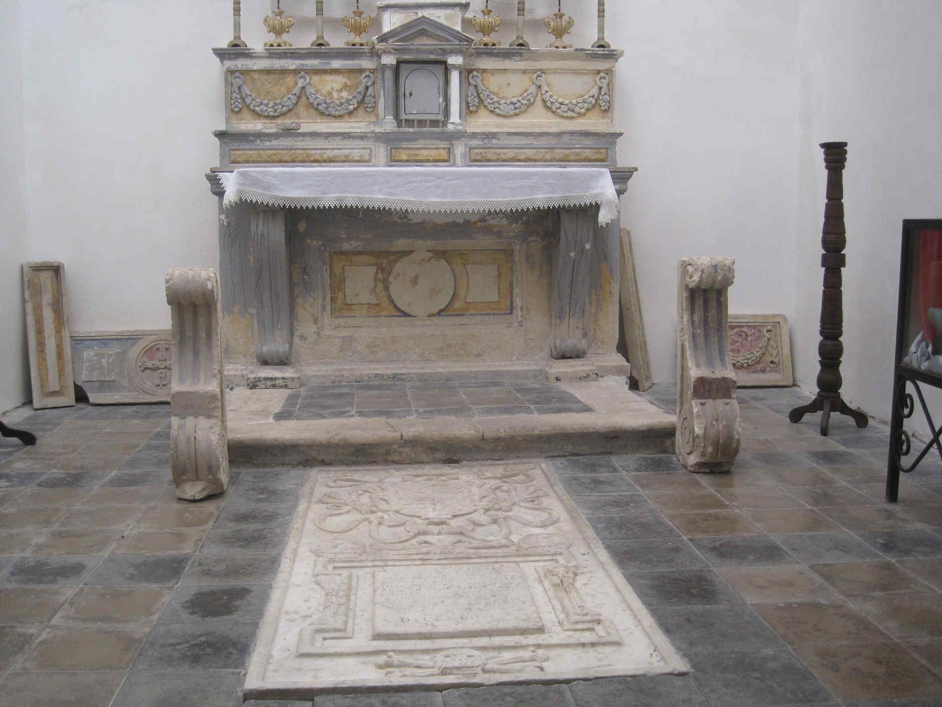 Cosa vedere a Pentedattilo - la tomba degli Aberti