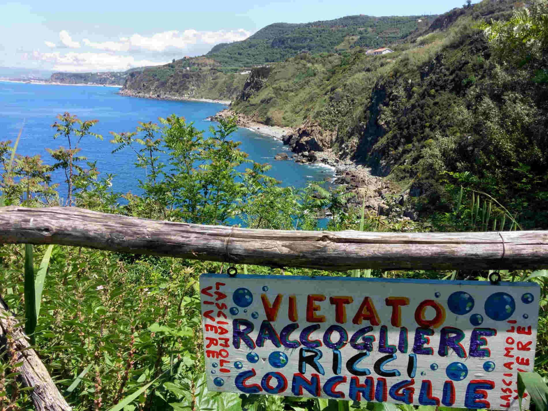 Palmi Caletta Rovaglioso una delle 10 spiagge più belle a Reggio Calabria