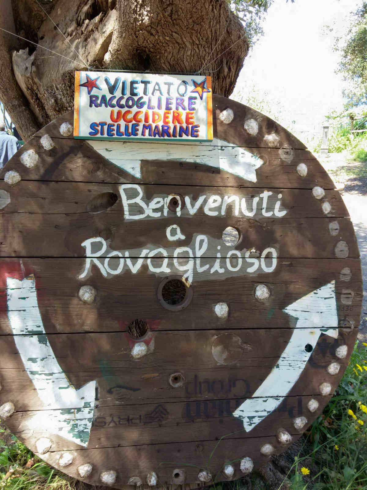 Caletta Rovaglioso ingresso cartelli Palmi !0 spiagge più belle a Reggio Calabria