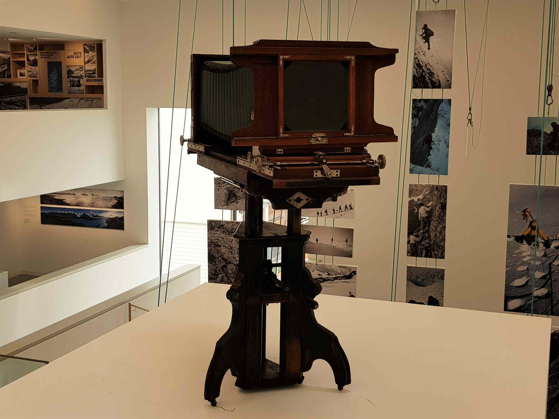 macchina fotografica al Lumen Museum a Plan de Corones