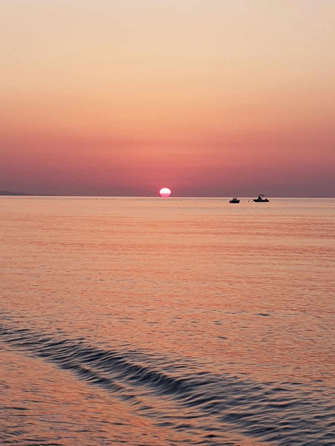 Marina di Gioiosa Ionica al tramonto vacanze sulla costa ionica di reggio calabria