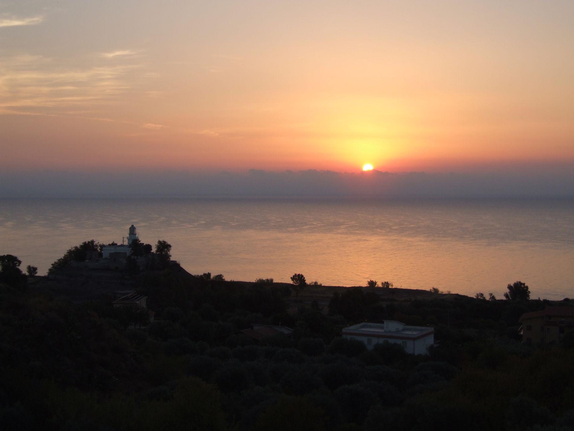 Vacanze sulla Costa ionica di reggio calabria tramonto punta Stilo