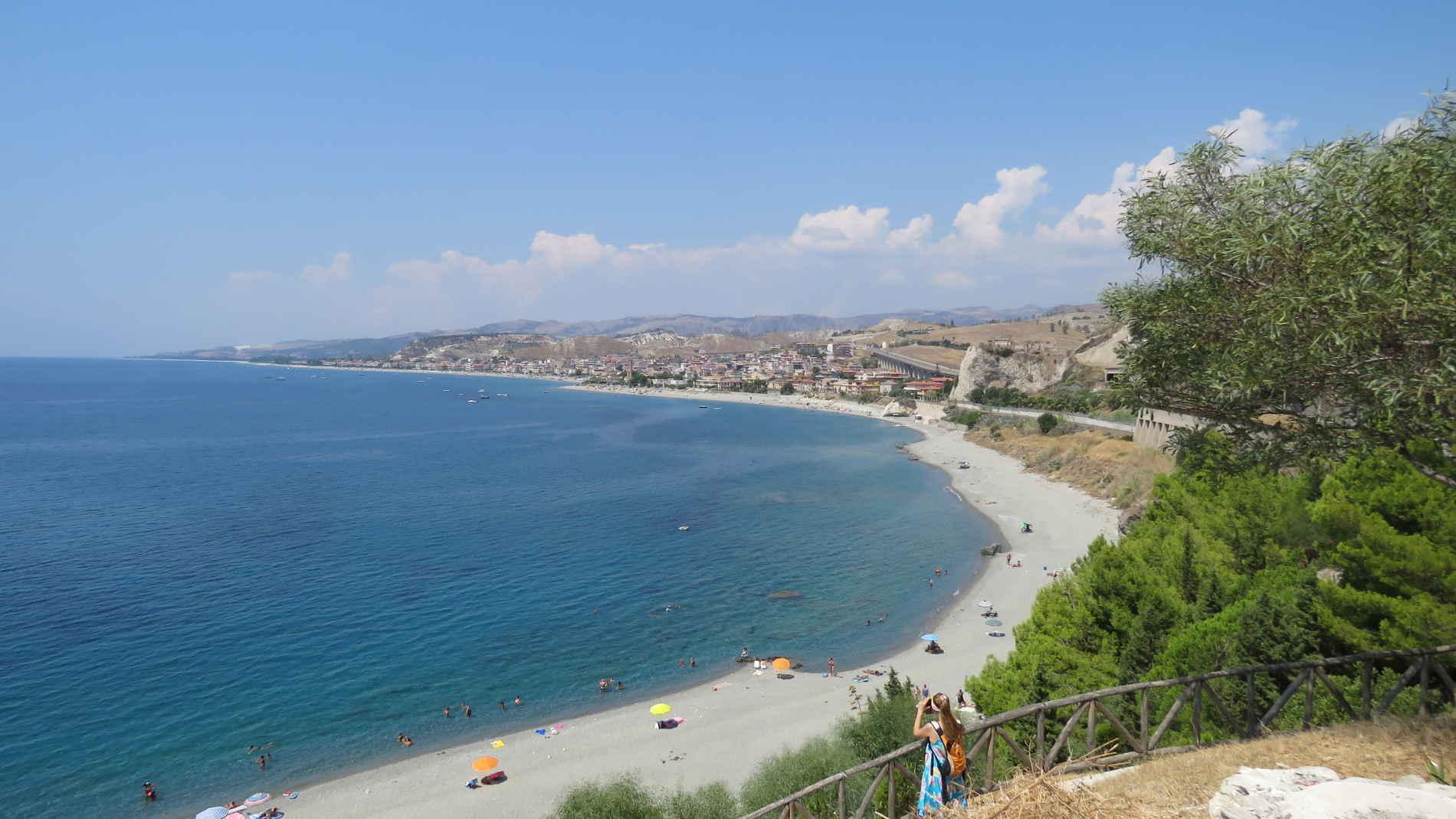 Itinerari ebraici in Calabria baia e la spiaggia di Bova Marina