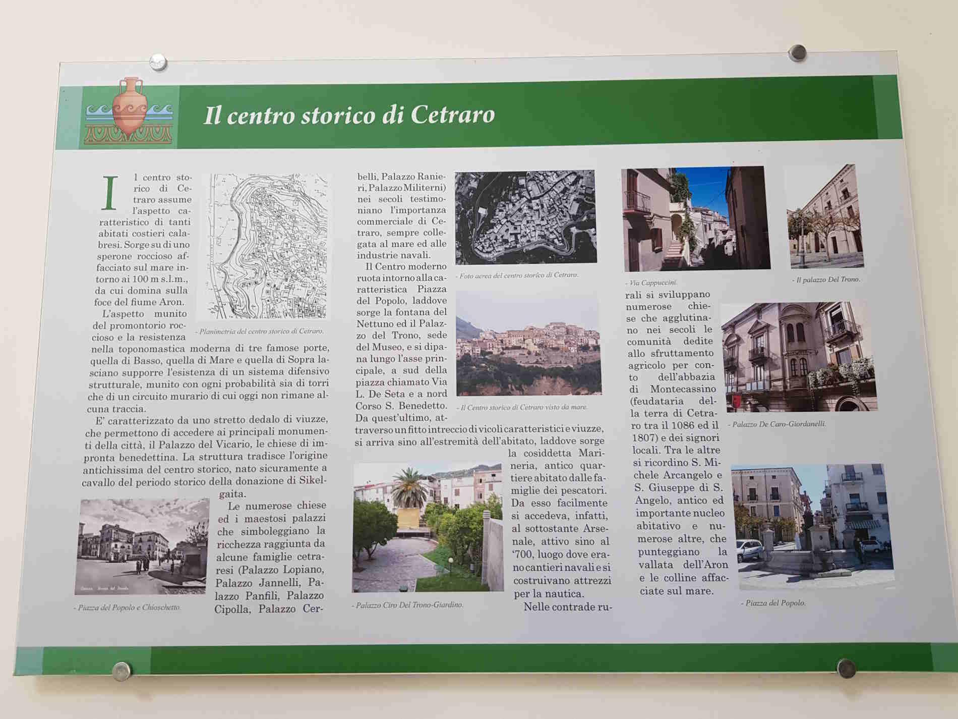 Pannelli illustrativi della storia del centro srorico di  Cetraro