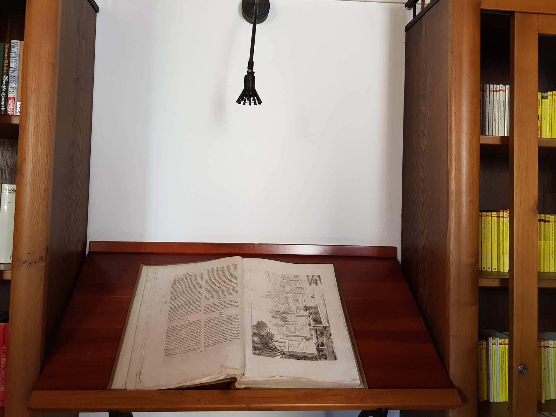 Antichi volumi nella Biblioteca Civica Museo dei Brettii e del Mare a Cetraro