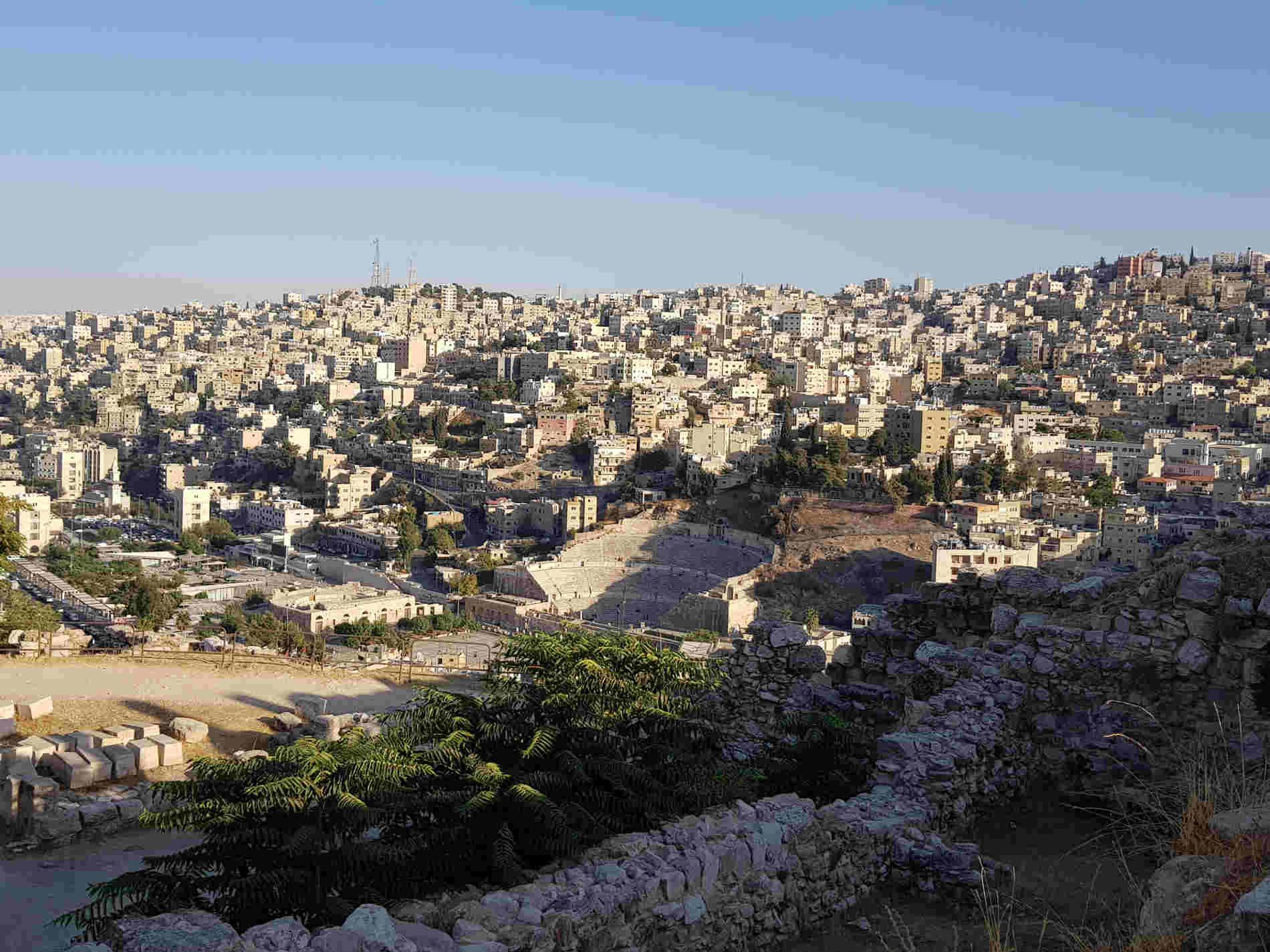 Anfiteatro romano ad Amman visto dalla Cittadella -cosa vedere aad amman