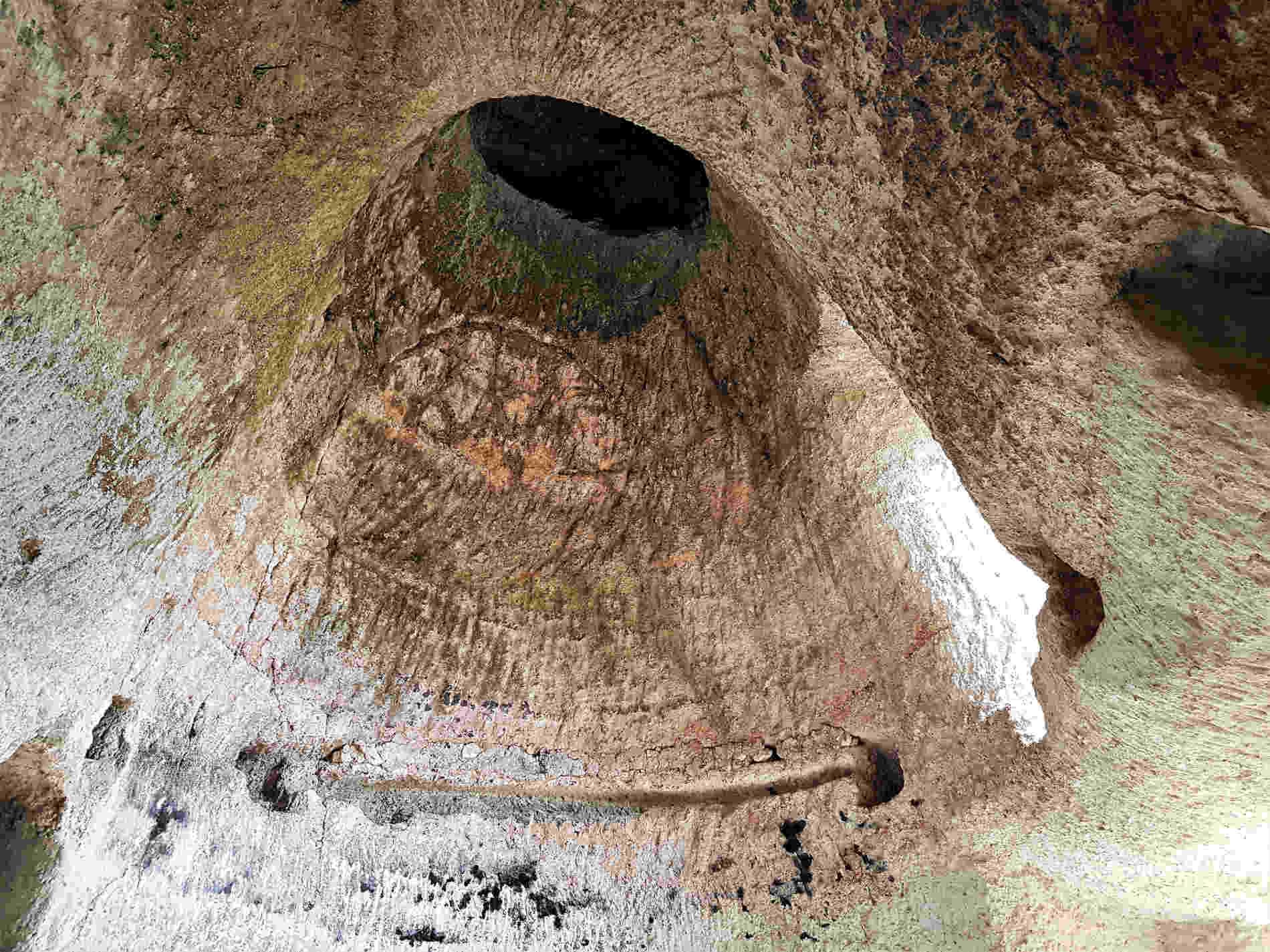 Grotte di Zungri città di pietra insediamento rupestre