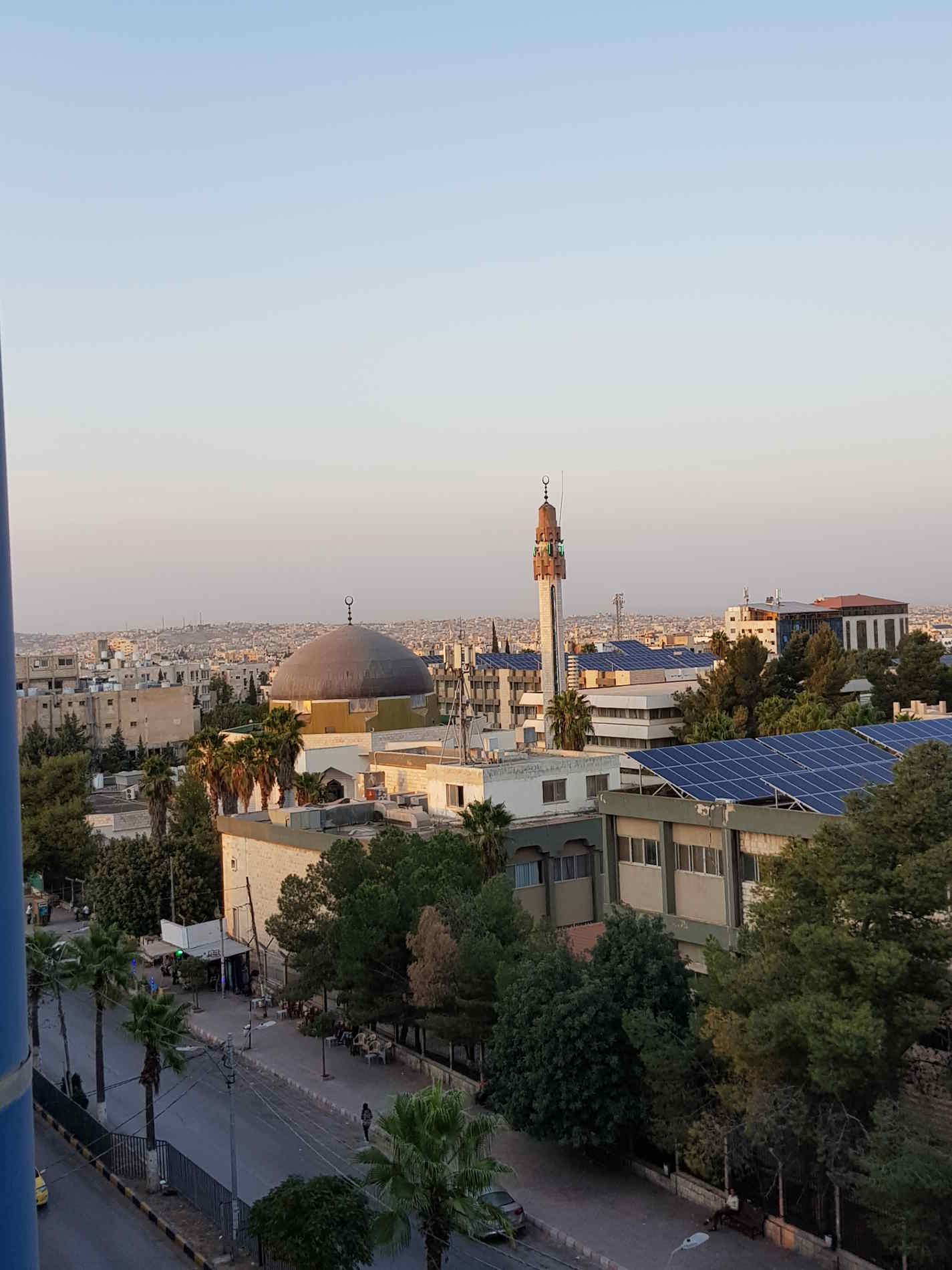 Irbid e la Moschea nel Nord della Giordania