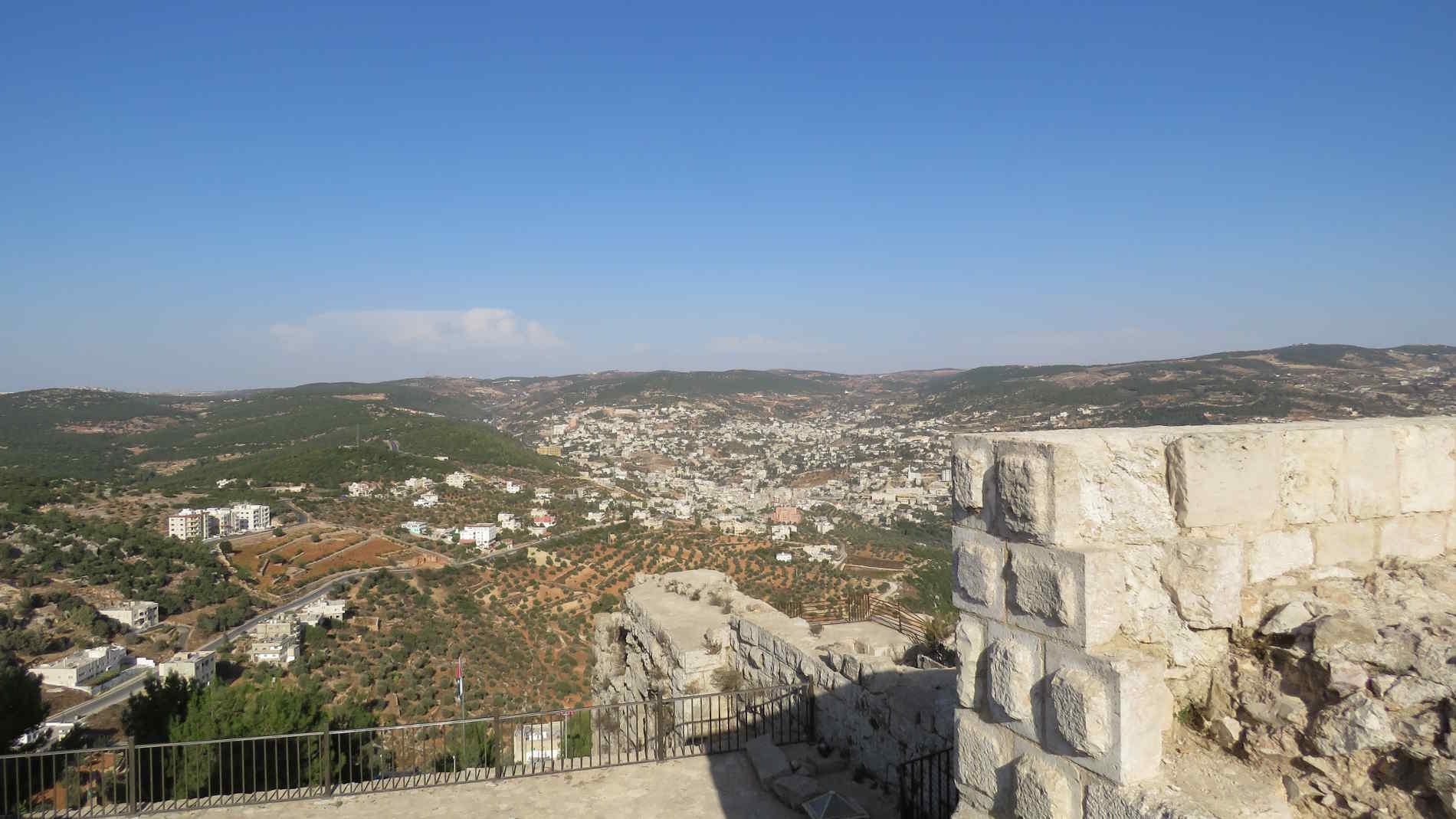 Visitare la Giordania panorama dal Castello di Ajulun