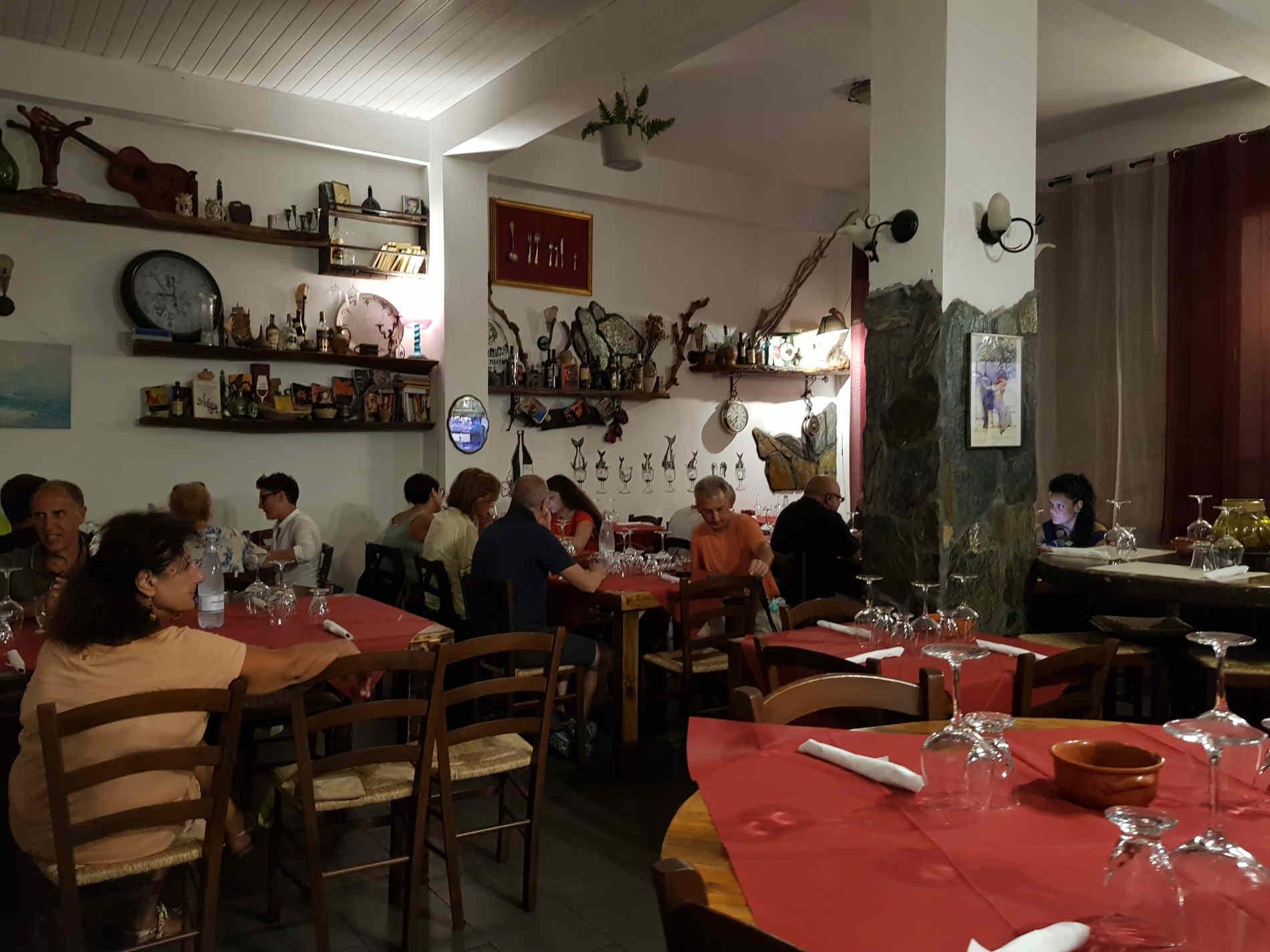 Vineria Artigianale - Ristorante Oino's di Palizzi Marina spunti di Viaggio