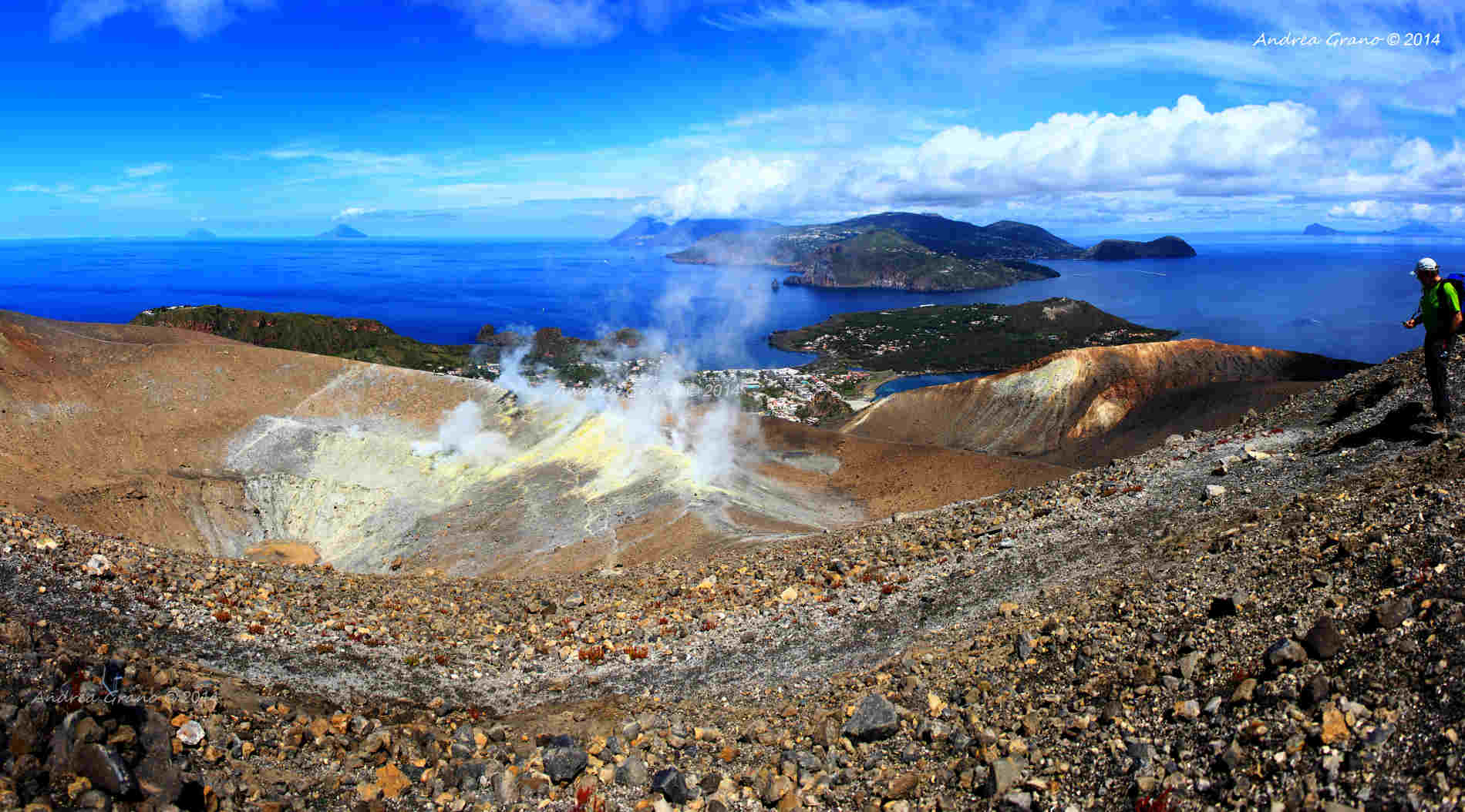 Panoramica dal Cratere di Vulcano Eolian Island