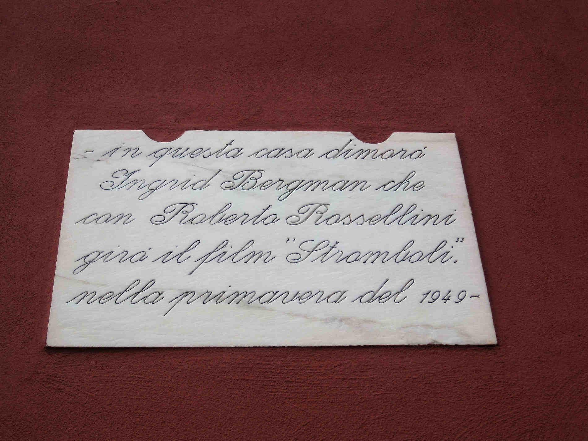 Casa Rosa di Rossellini e Bergman a Stromboli Isole Eolie