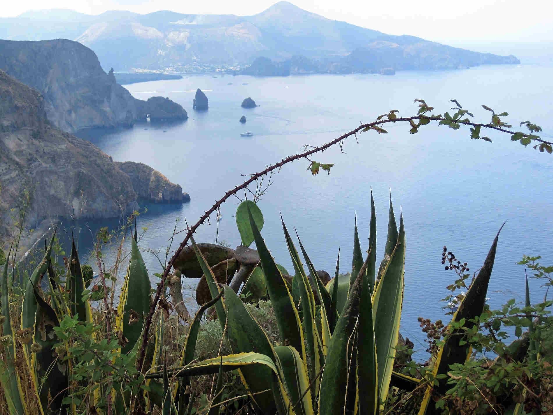 Guida alla visita alle 7 Isole eolie -panorami da Lipari