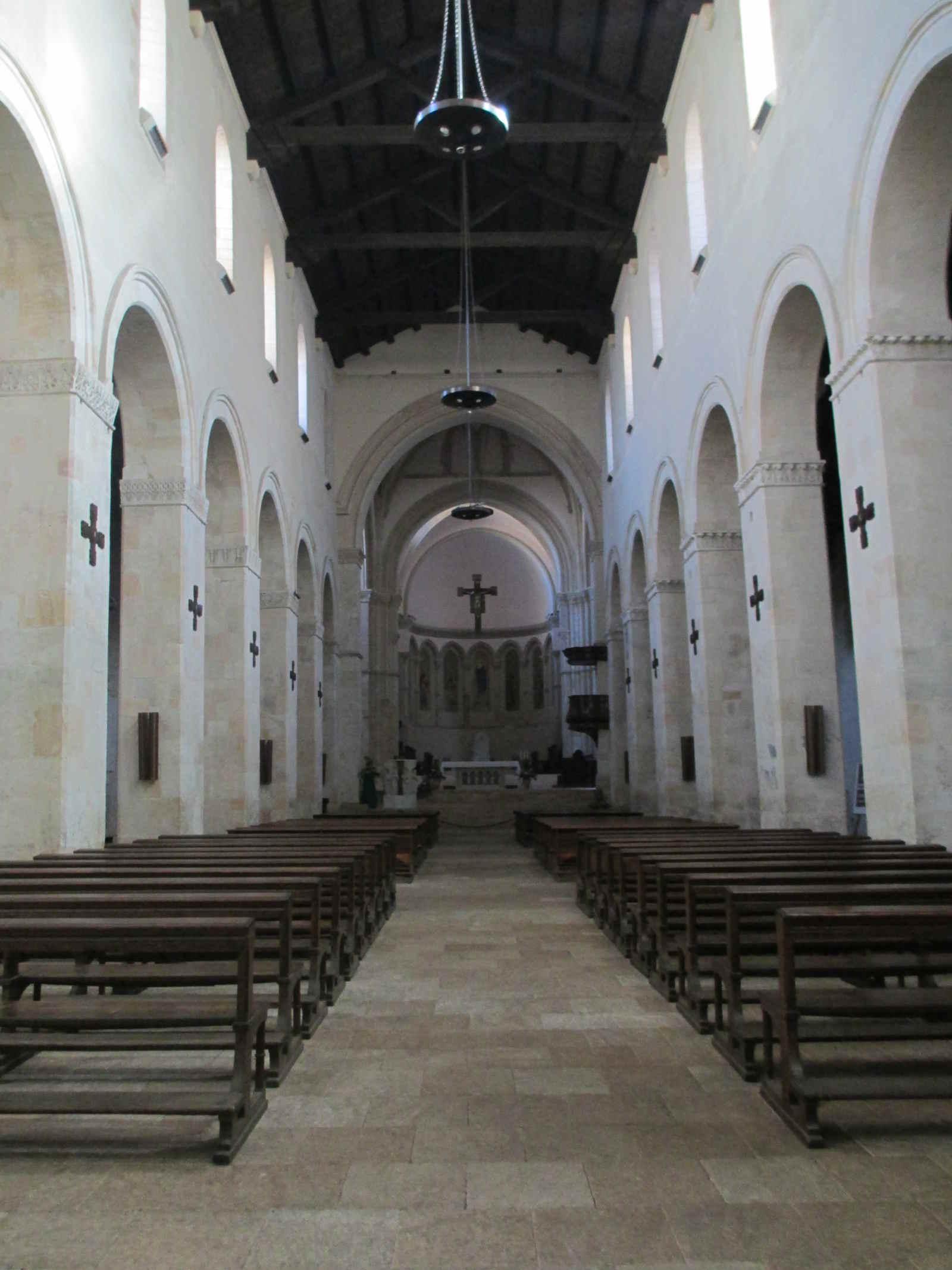 Interno del Duomo di Cosenza