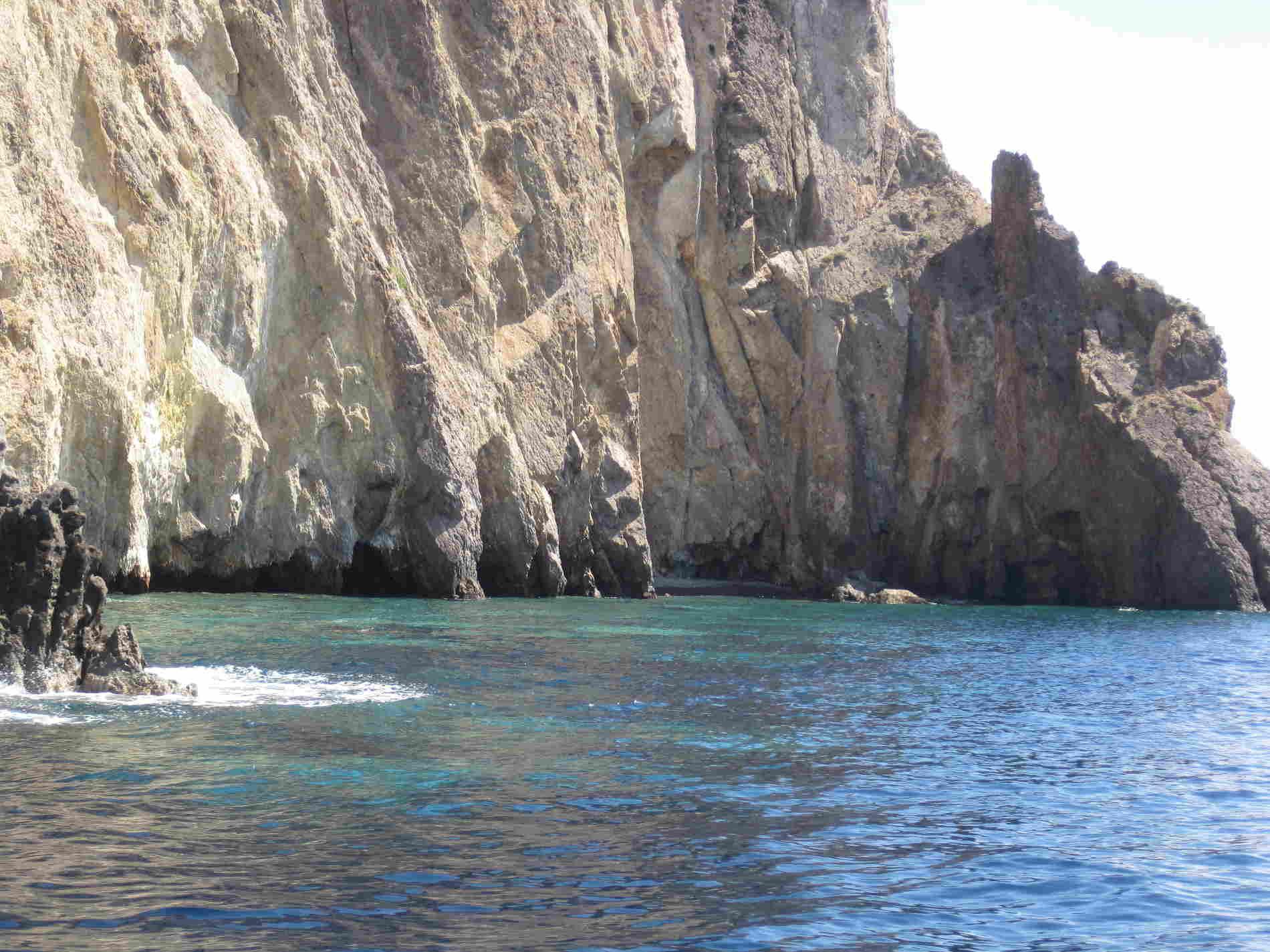 Baie dell'Isola di Panarea -guida alle 7 Isole Eolie Messina Italia