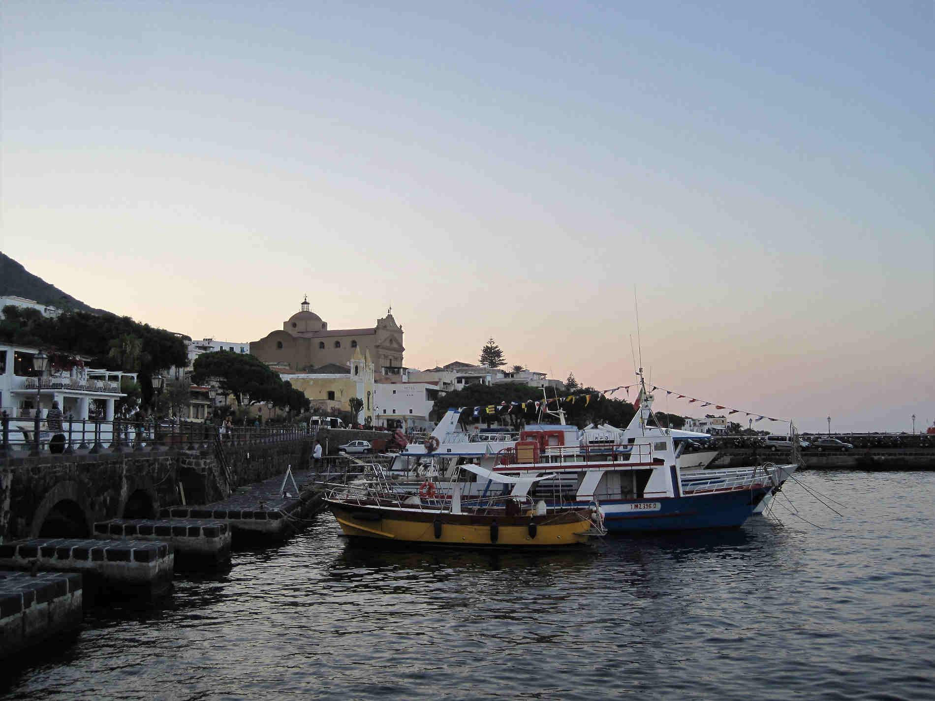 porto di Salina a Santa Maria a isole Eolie