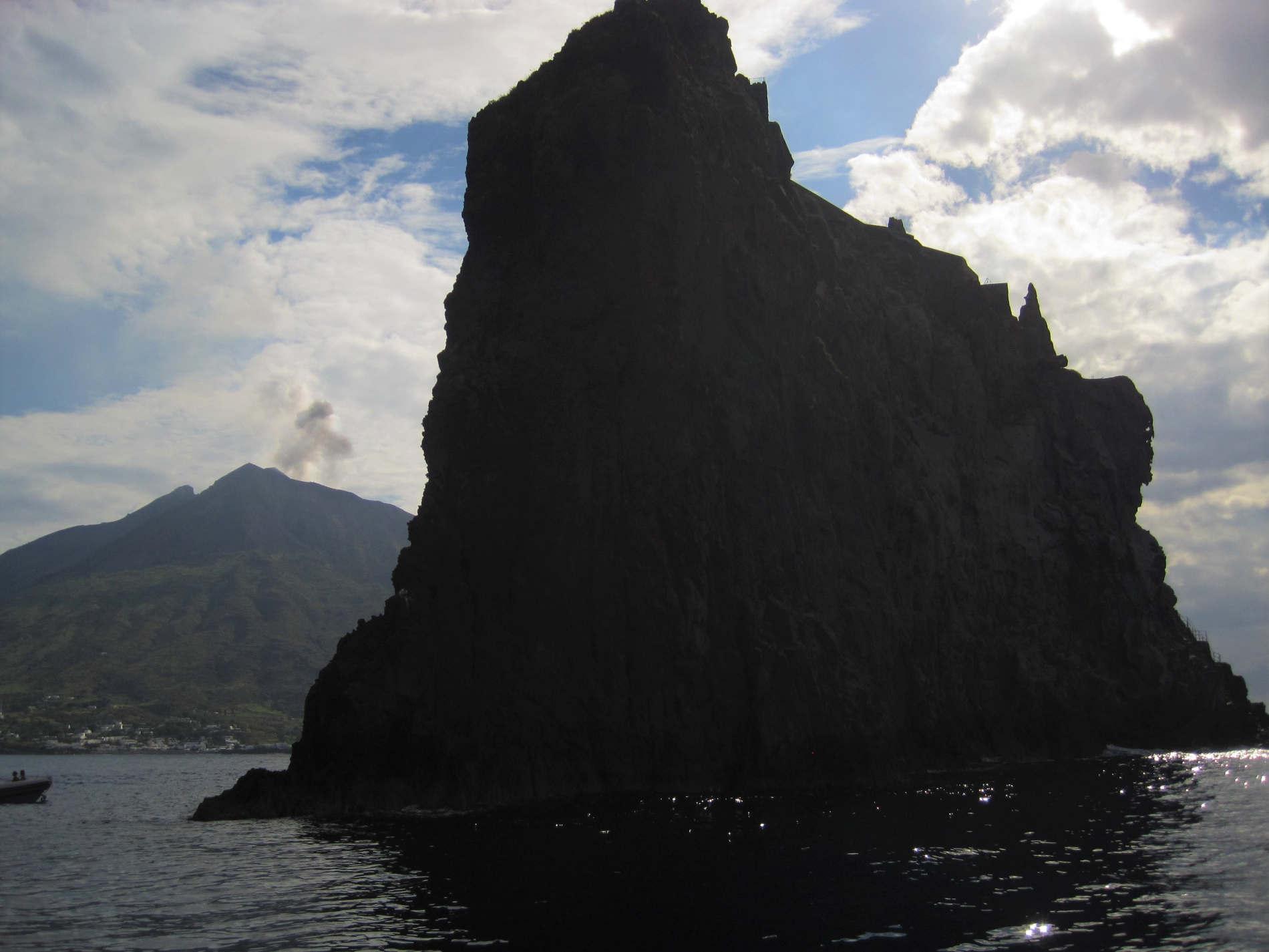 Stromboli e Strombolicchio visti dal Mare Isole Eolie