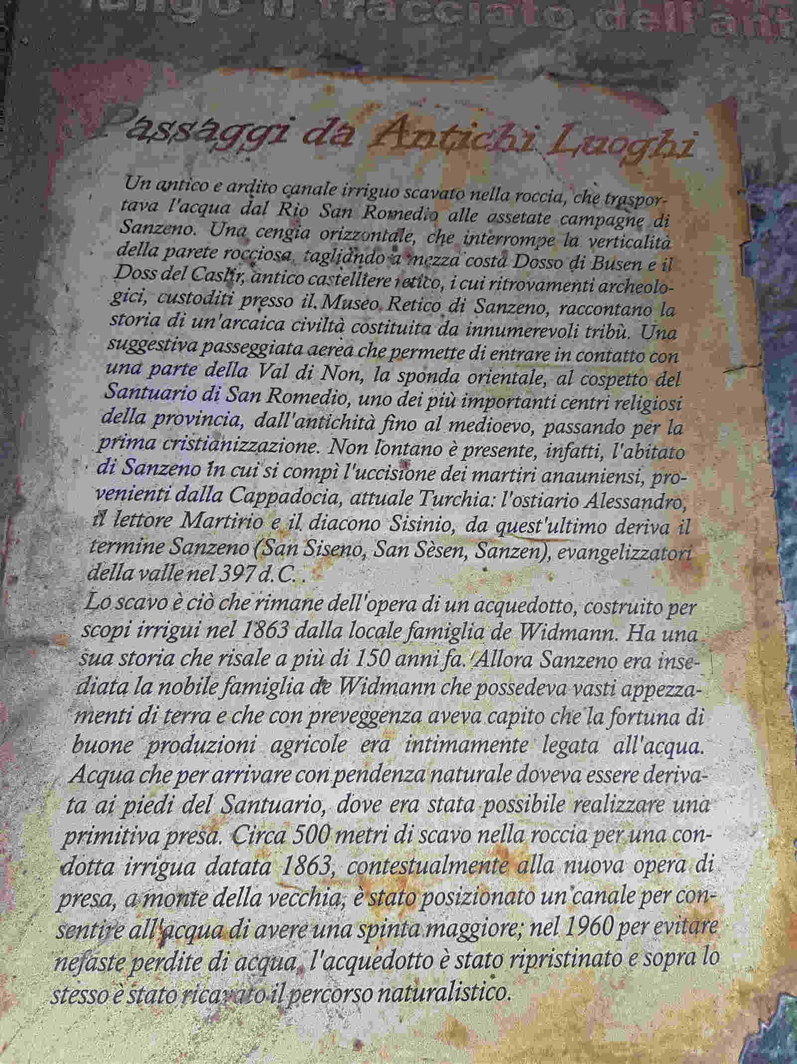 Cartellonistica esplicativa lungo la passeggiata di San Romedio nella forra Val Non Trentino