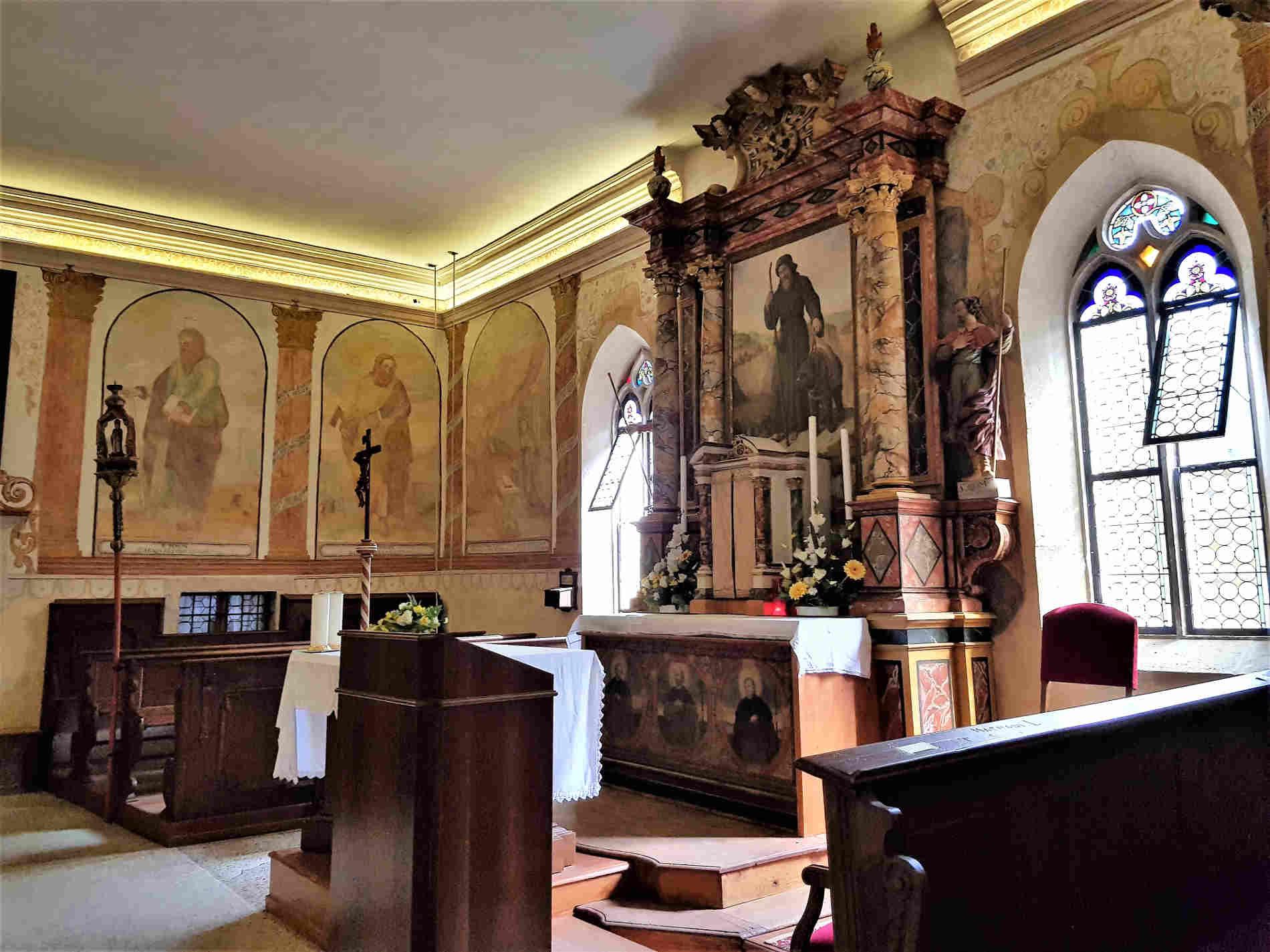 Chiesa con immagine di San Romedio nell'Eremo di San Romedio, Trentino