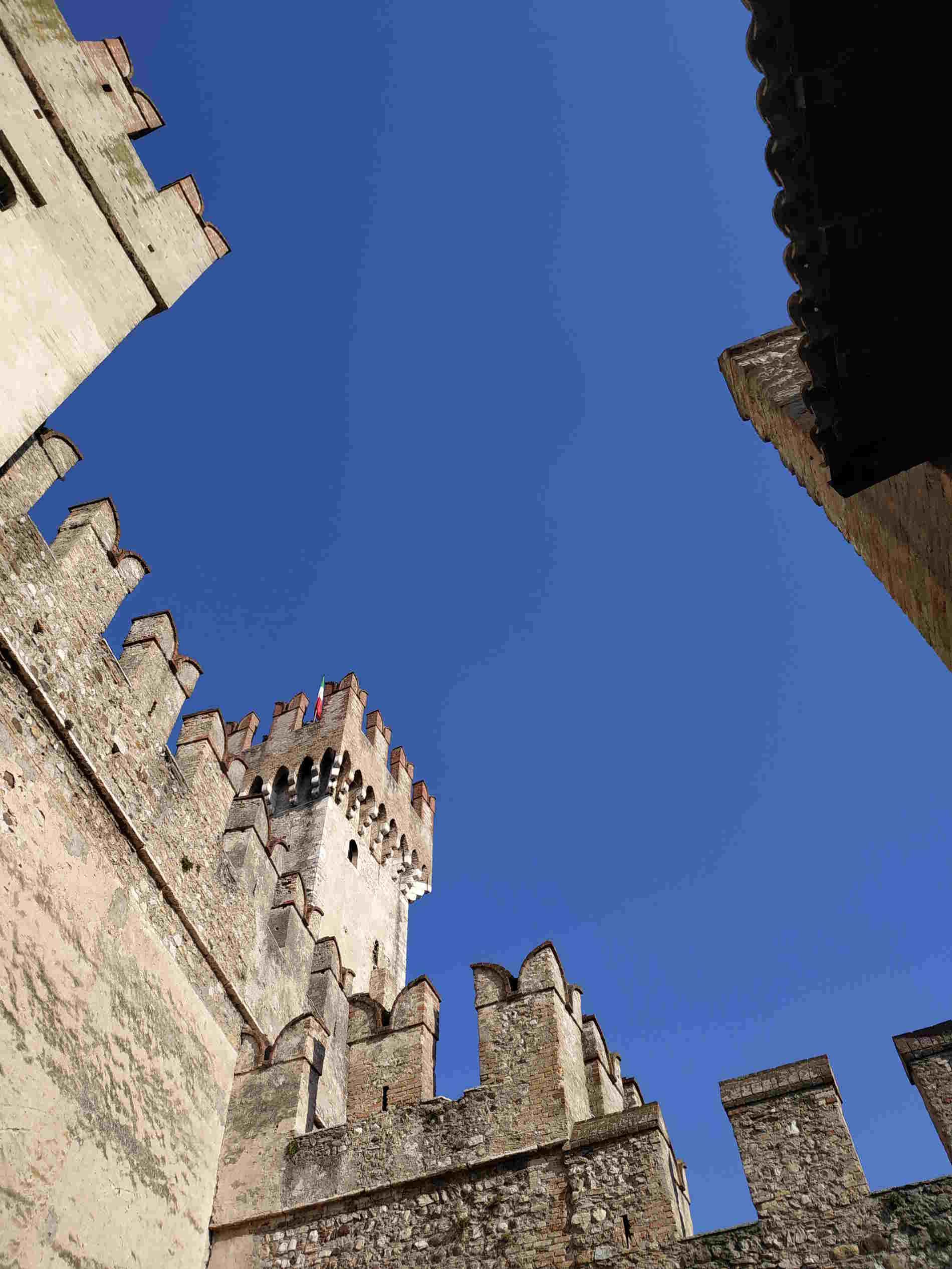le Torri del castello Scaligero a Sirmione sul lago di Garda Garda Lake