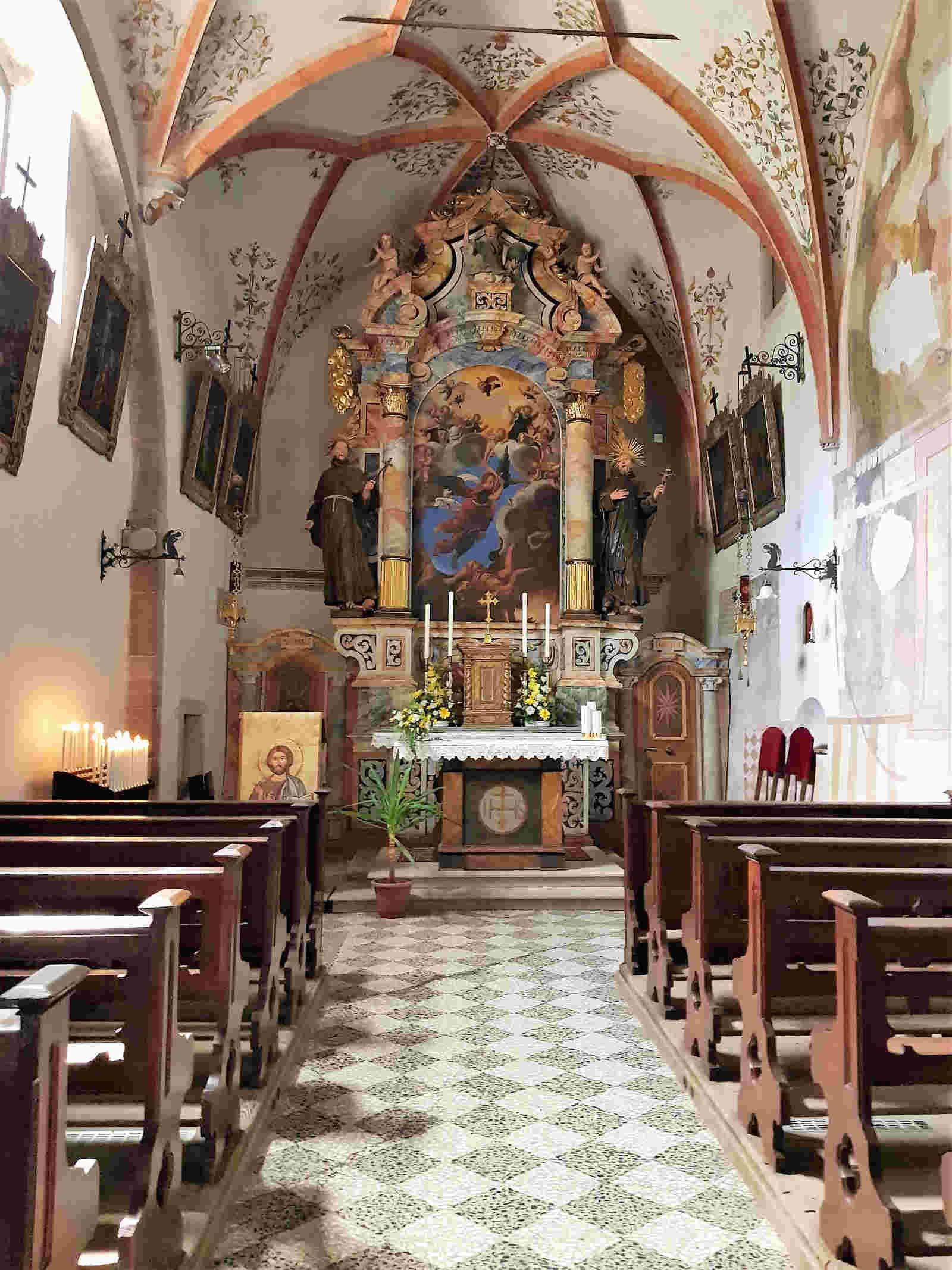 Chiesa di San Michele Arcangelo a San romedio