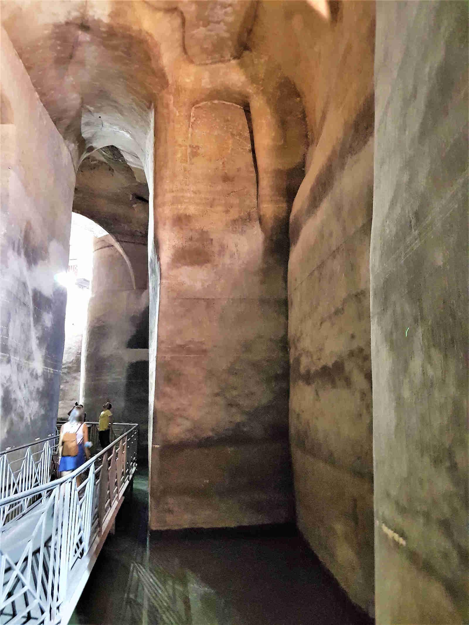 Palombaro Lungo a Matera antica cisterna per la raccolta delle acque