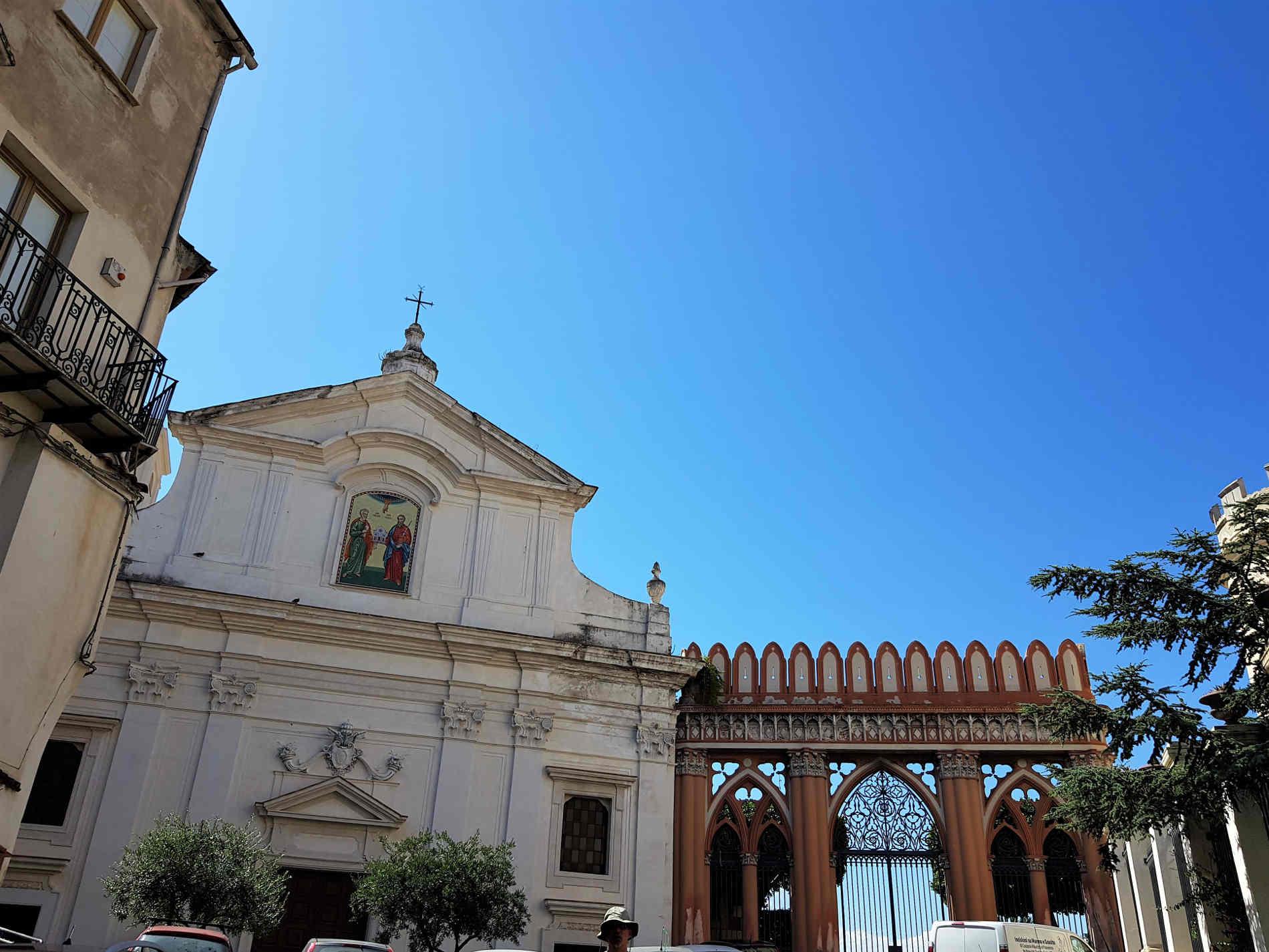 Chiesa di San Pietro e Paolo di Corigliano Calabro e ingresso al Castello